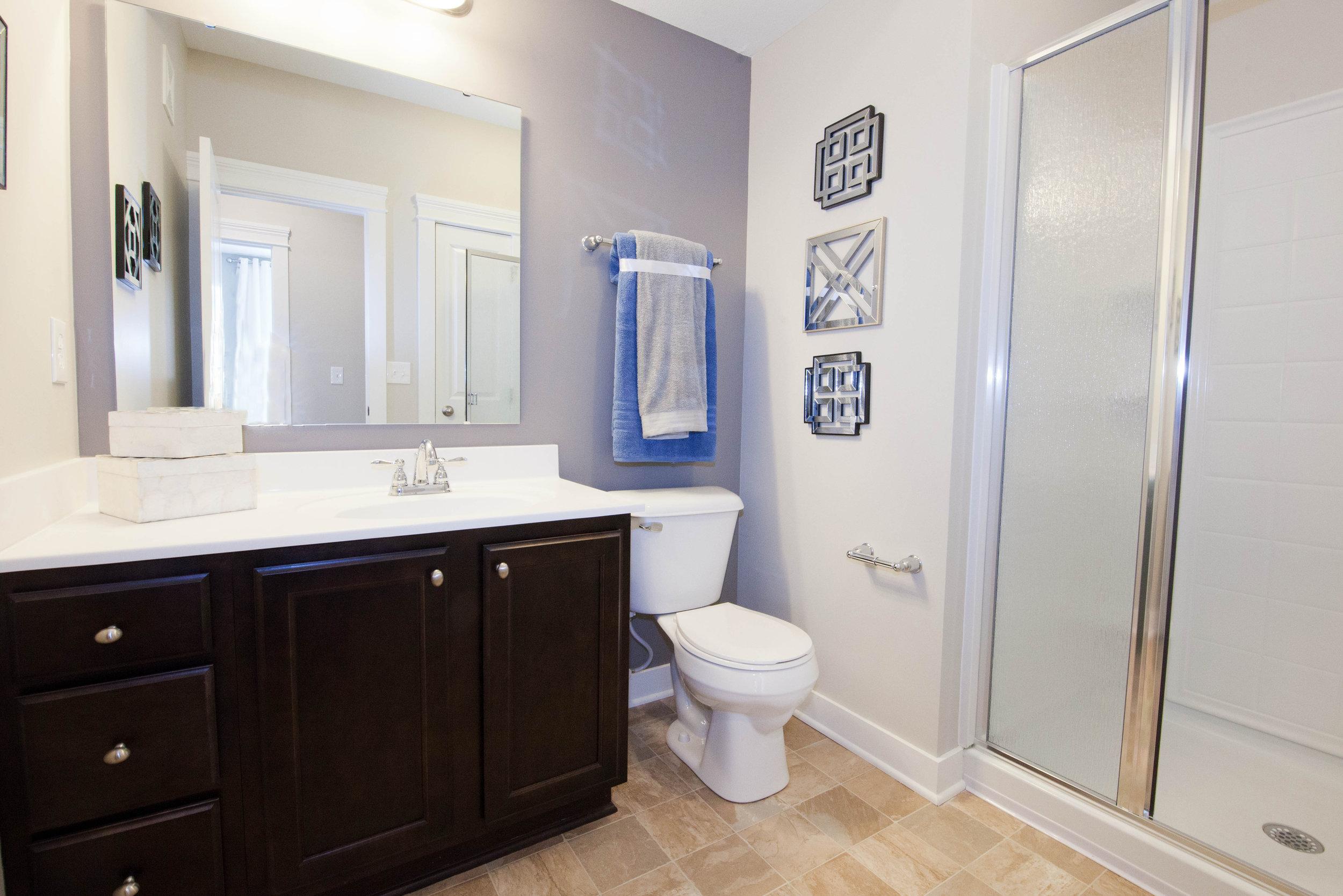 Highpointe - Model bathroom 1 (apartment).JPG