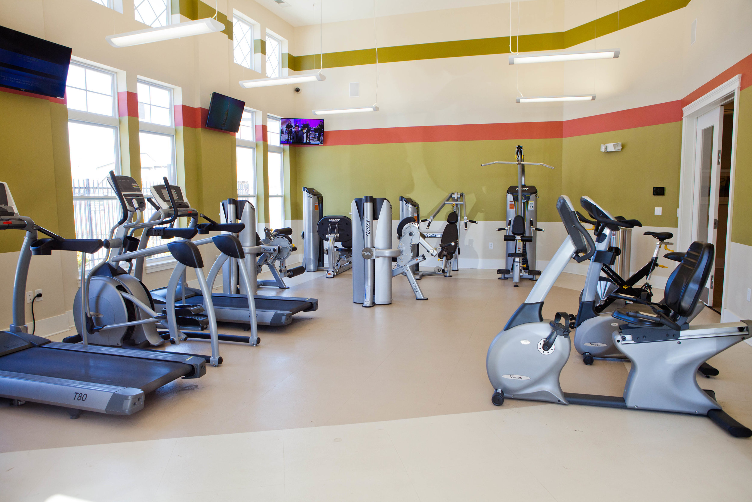 Ivy - workout facility #1 (amenities).JPG