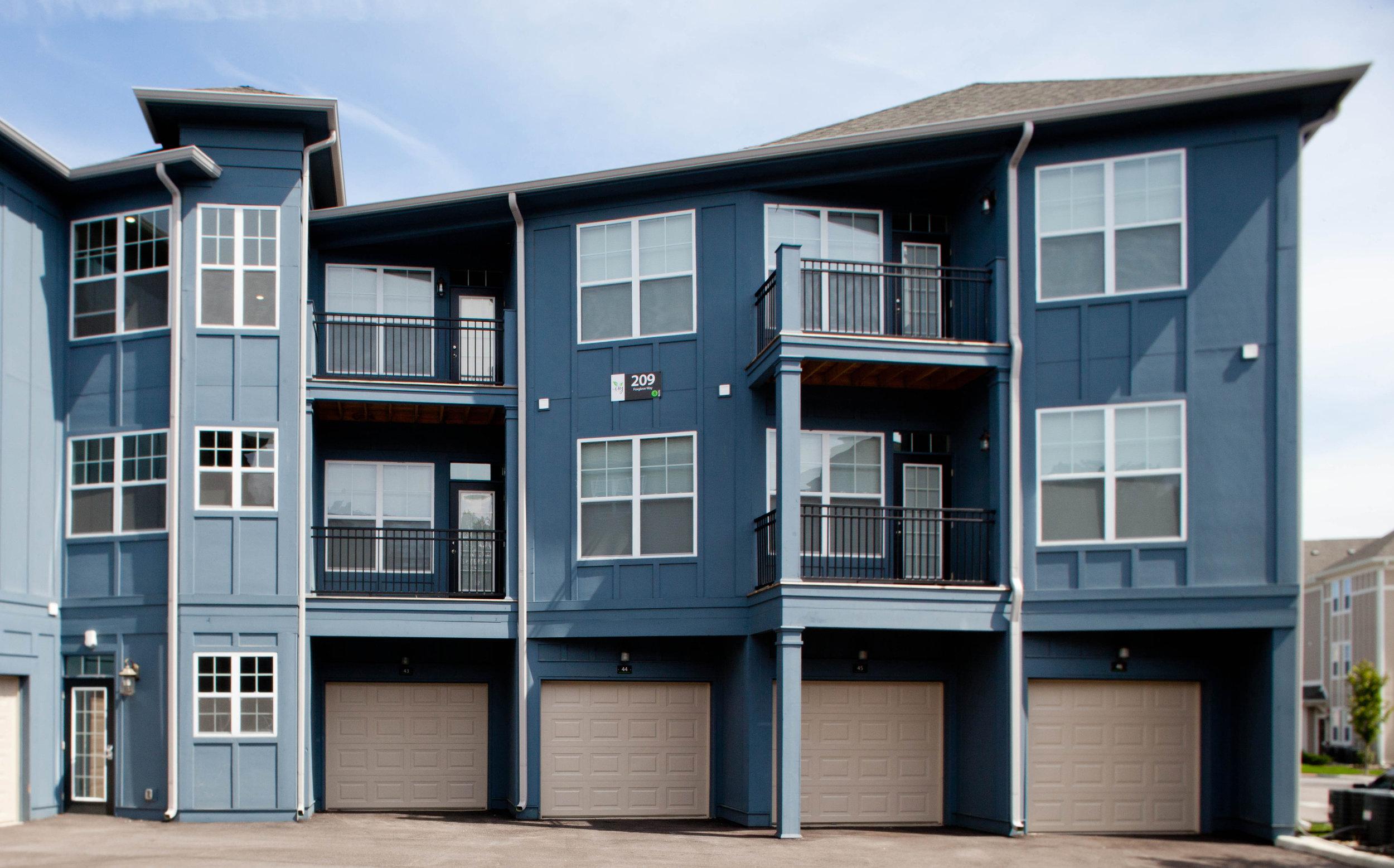 Ivy - attached garage (apartments).jpg