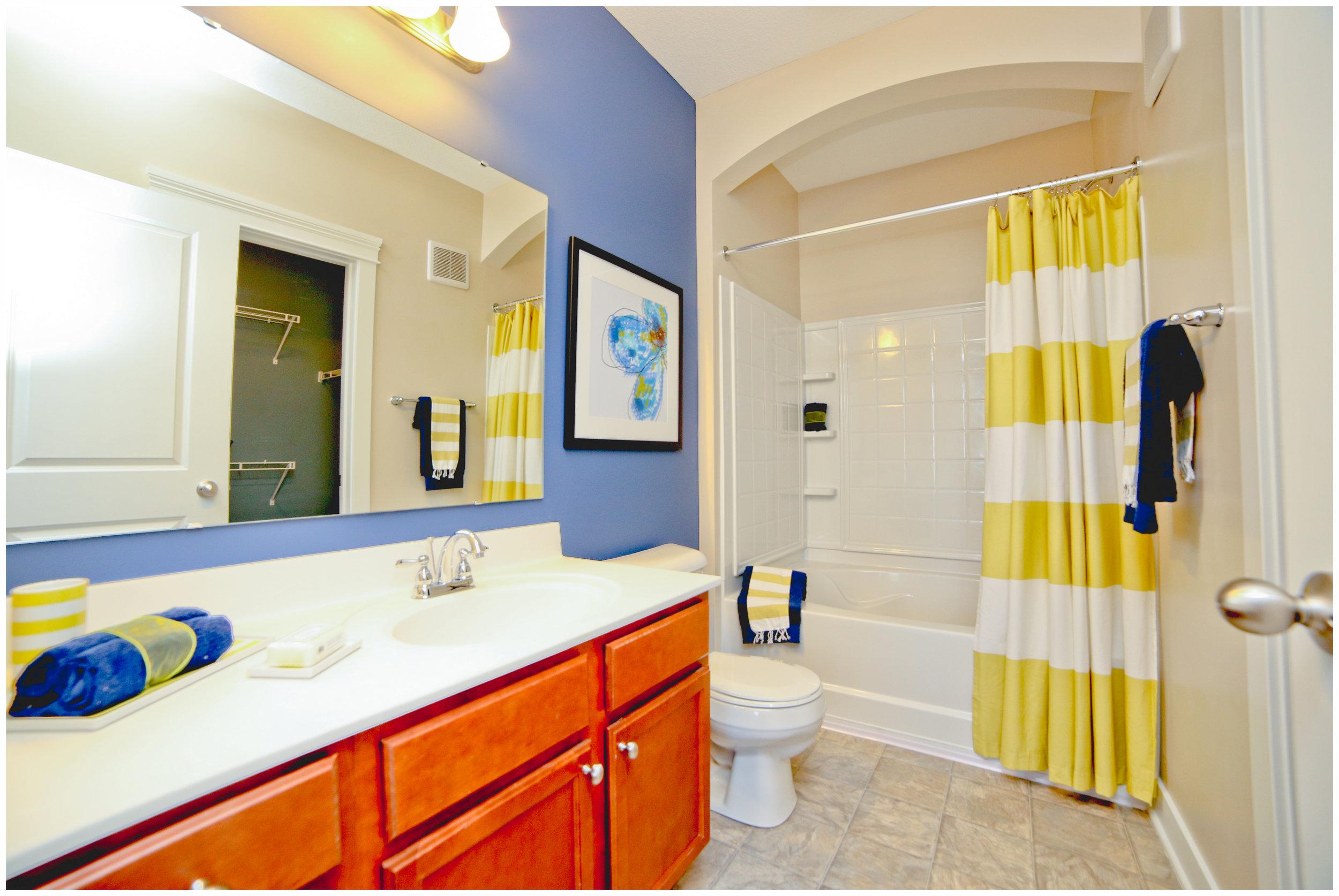 USF - model bathroom 1 (apartment).jpg