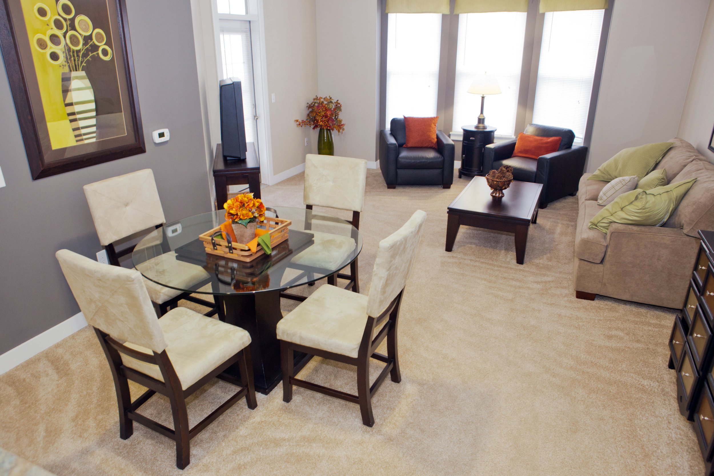 Legacy PH2 - dining area (apartment).jpg