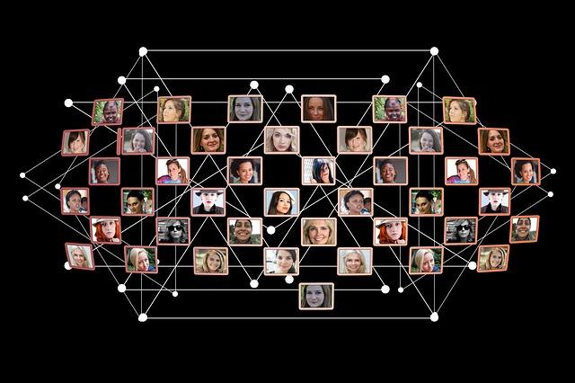 women-2679748_640.jpg