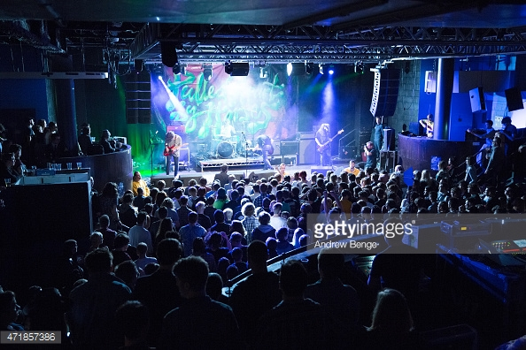 PULLED APART BY HORSES - PICTURE BY: ANDREW BENGE (GETTY IMAGES)