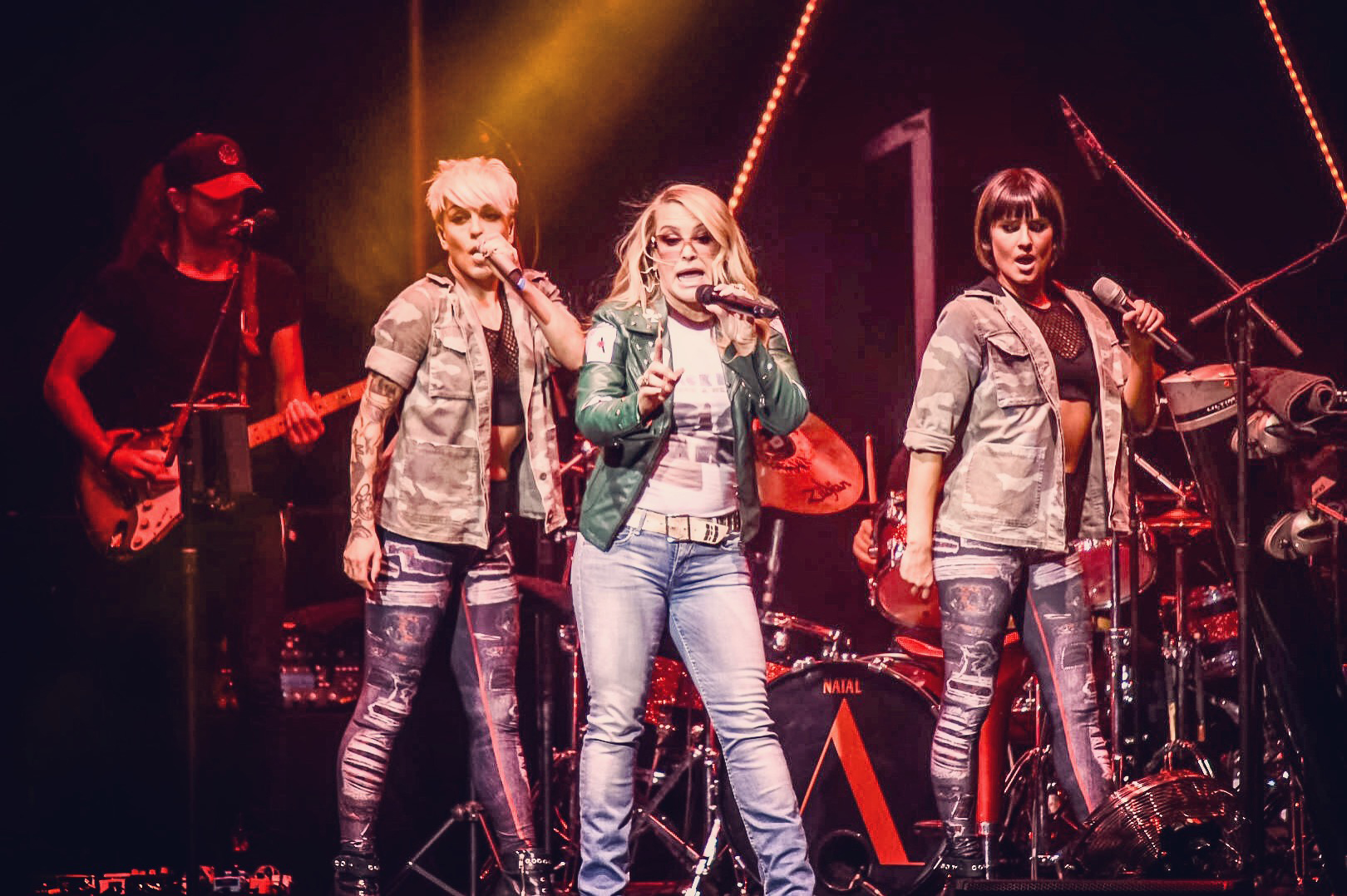 02 - Anastacia performing at Edinburgh's Usher Hall as part of Ultimate Collection Tour 2017 - 31-05-2017 - Picture By - Calum Buchan Photography.jpg
