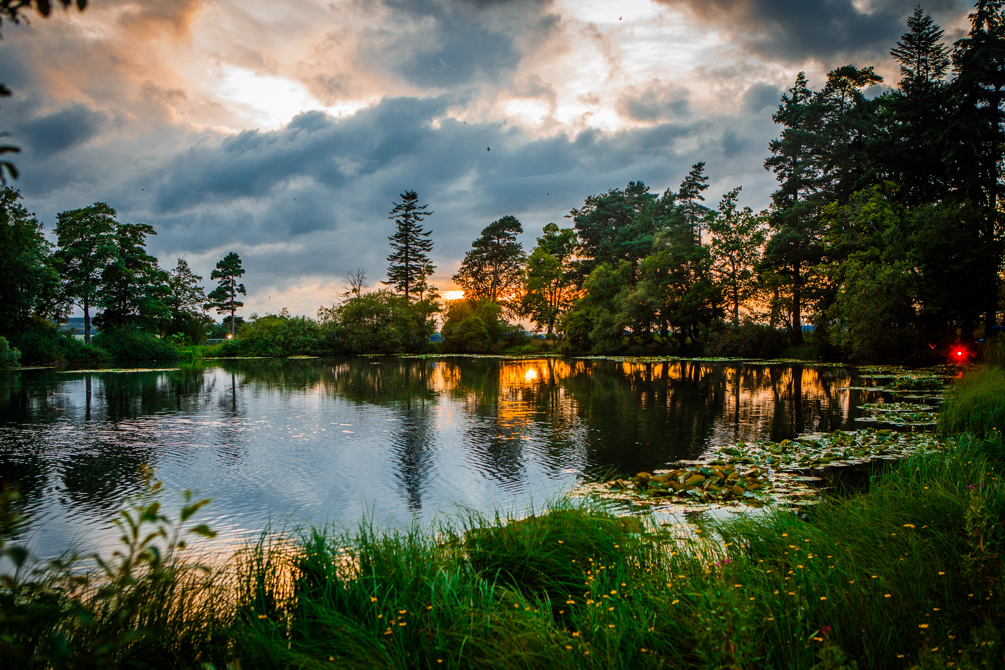 SUNSET BY THE LAKES AT KENDAL CALLING SITE   PICTURE BY: JODY HARTLEY