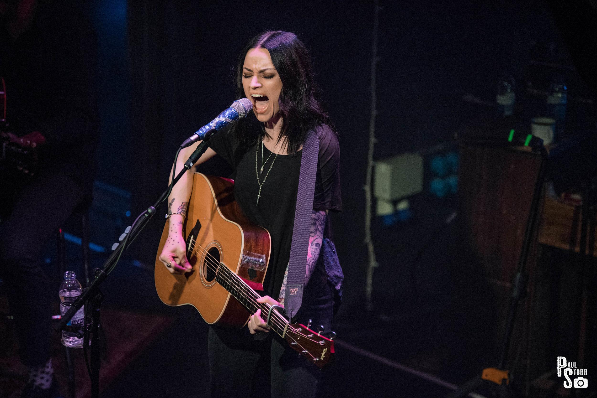 Amy MacDonald, The Ferry Glasgow, 30-8-17-9.jpg