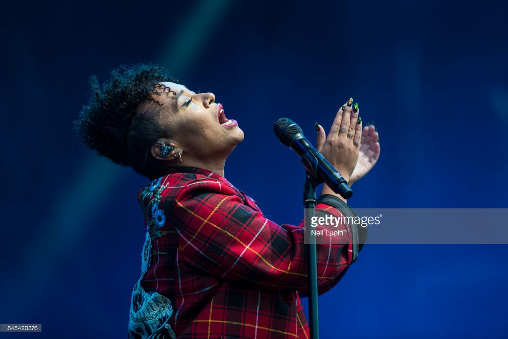 EMELI SANDÉ  PICTURE BY: NEIL LUPIN - GETTY IMAGES / REDFERNS