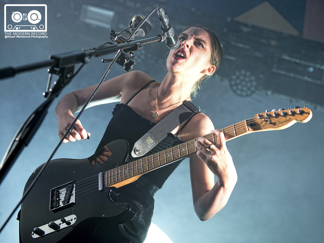 WOLF ALICE PERFORMING AT GLASGOW'S BARROWLANDS - 11/11/2017   PICTURE BY: STUART WESTWOOD PHOTOGRAPHY