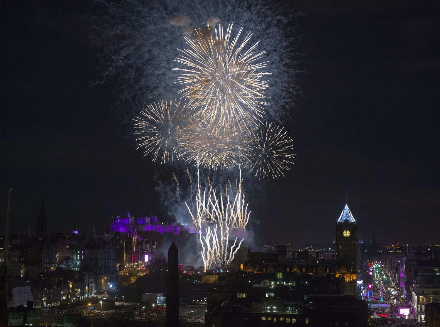 EDINBURGH'S HOGMANAY 2018 - MIDNIGHT NEW YEAR FIREWORKS DISPLAY PHOTO SOURCE: THE CORNER SHOP PR