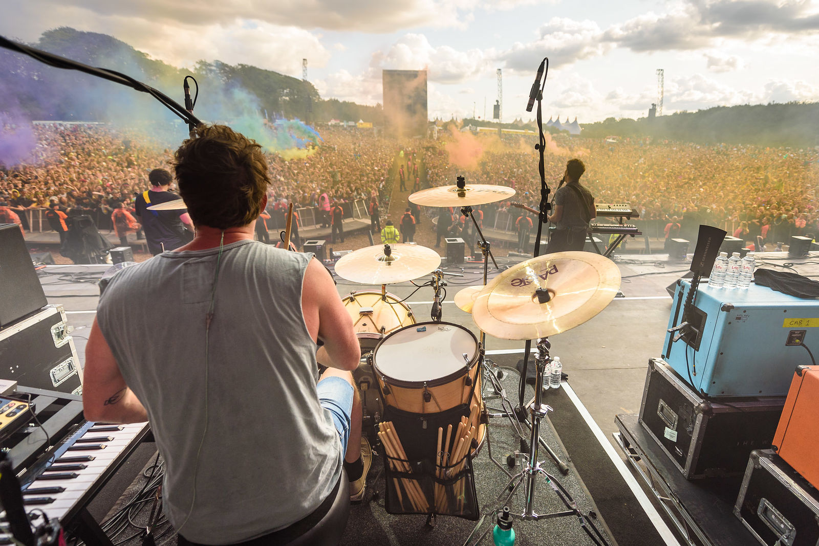 THE WOMBATS STORMING THE MAIN STAGE AT LEEDS FESTIVAL 2018 - 25.08.2018  PICTURE BY: DAVID DILLON