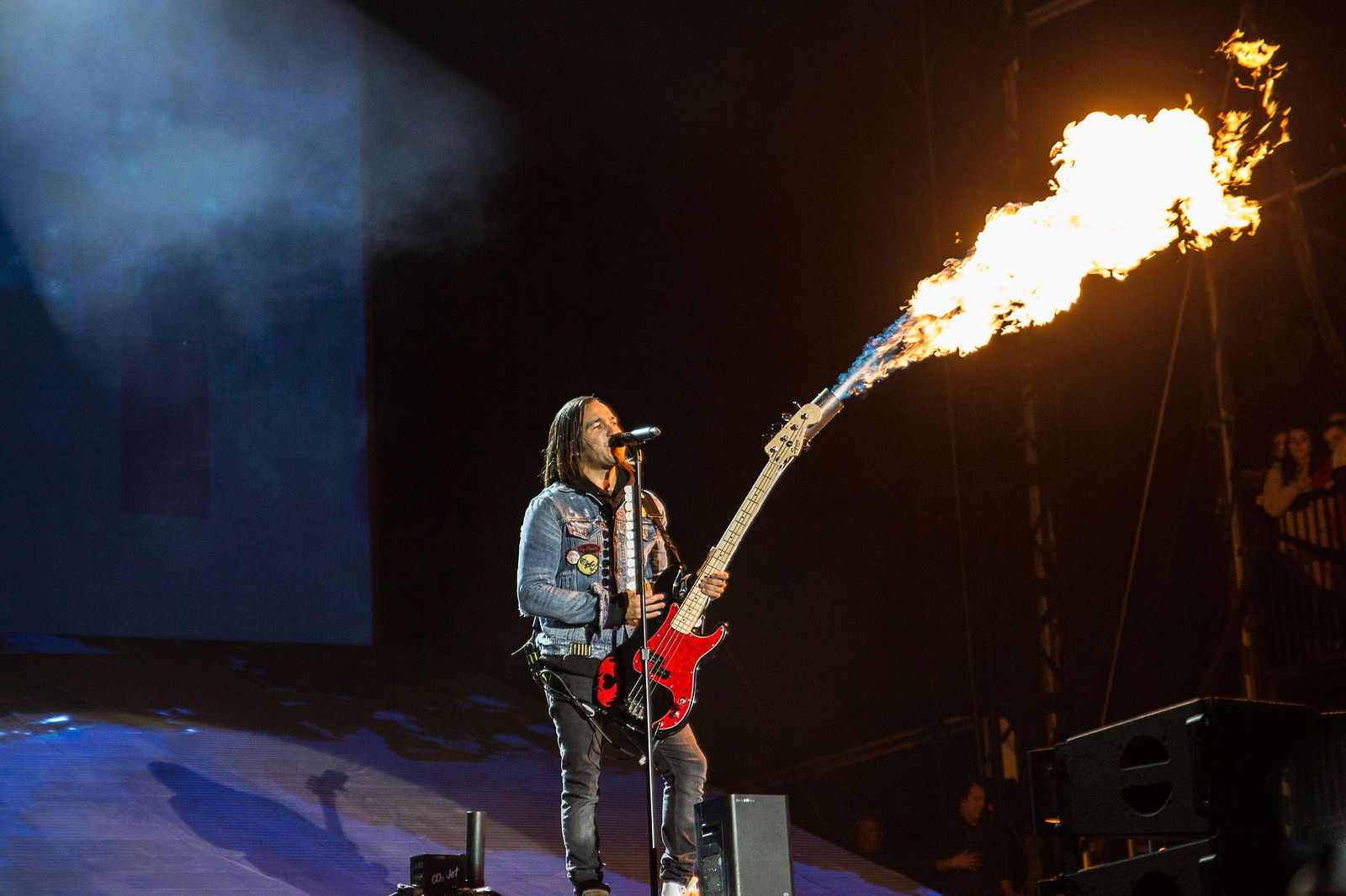 PETE WENTZ OF FALL OUT BOY PERFORMING AT LEEDS FESTIVAL 2018 - 25.08.2018  PICTURE BY: MICHELLE ROBERTS