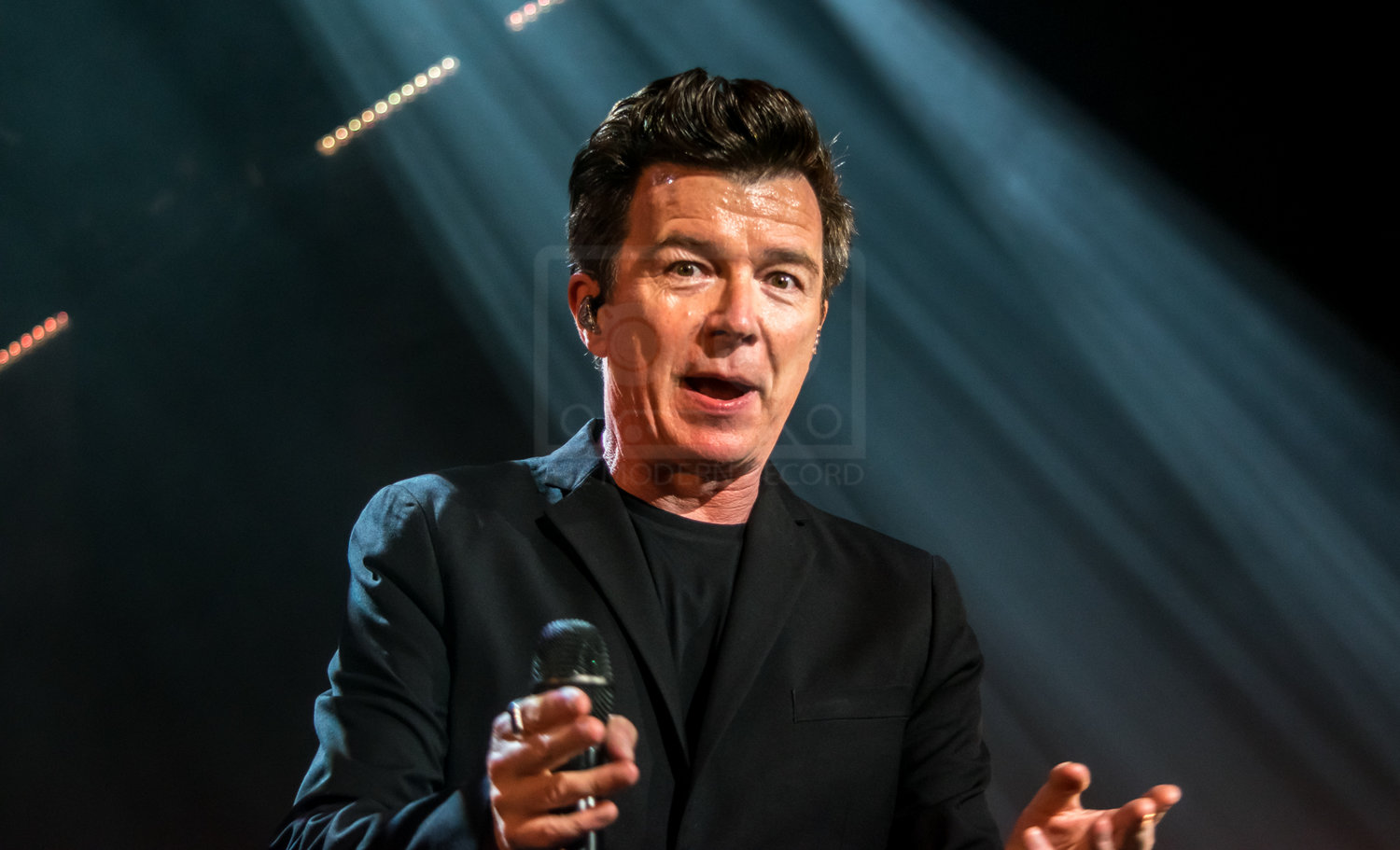 RICK ASTLEY PERFORMING AT GLASGOW'S SEC ARMADILLO - KICKING OFF HIS UK TOUR! - 25.10.2018  PICTURE BY: STEPHEN WILSON PHOTOGRAPHY