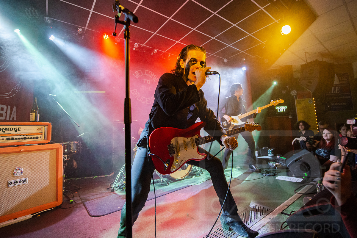 THE BLINDERS PERFORMING AT LEEDS BRUDENELL SOCIAL CLUB, LEEDS - 28.10.2018  PICTURE BY: JOHN HAYHURST AT  SNAPAGIG.COM