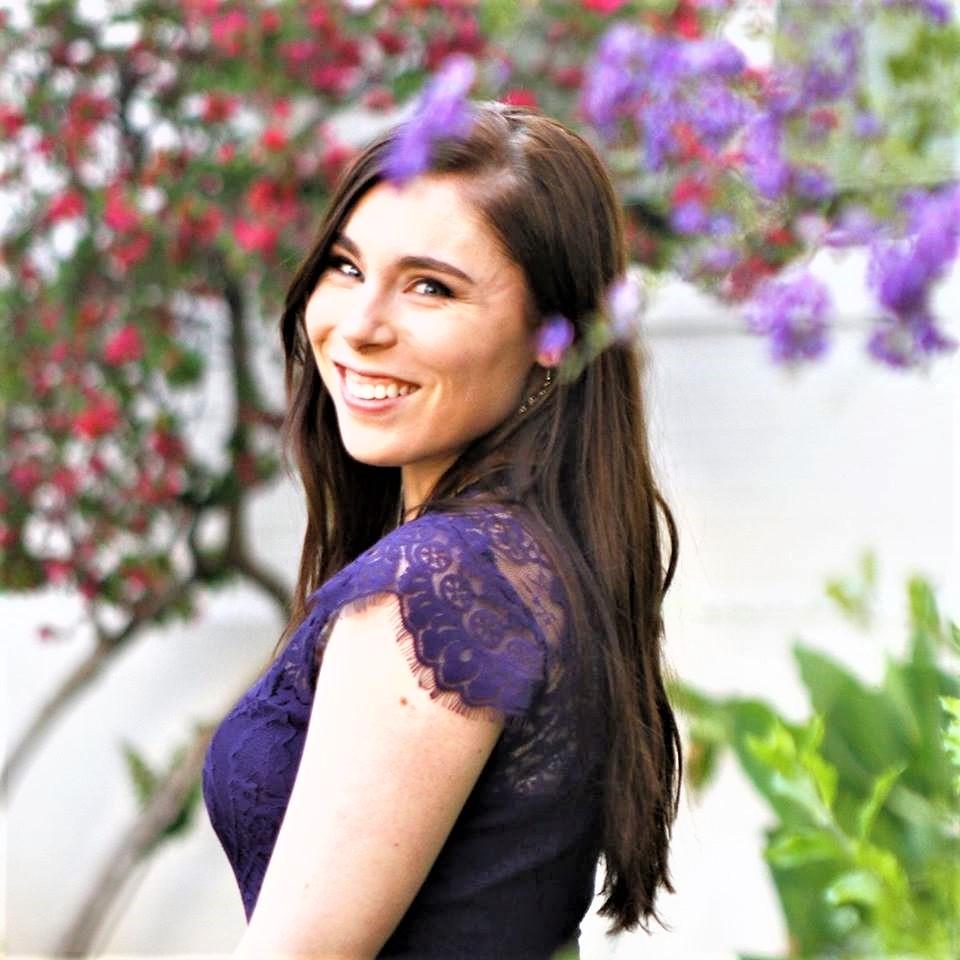 Stylish Story Teller - Journalist Alyssa Tufts