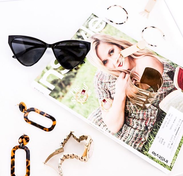 If I could swim in accessories, I would. God knows I have enough of them to do it. So tell me, what fills your jewelry boxes? ⠀⠀⠀⠀⠀⠀⠀⠀⠀ ⚪ RINGS ⚪ NECKLACES ⚪ BRACELETS ⚪ OTHER ✅✅✅✅✅ ALL OF THE ABOVE ⠀⠀⠀⠀⠀⠀⠀⠀⠀ - ⠀⠀⠀⠀⠀⠀⠀⠀⠀ #instyle #accessories #fashion #flatlay #magic #lifeandstyle #instylemag #fashionista #azphotography #goldjewelry #azblogger #phxblogger