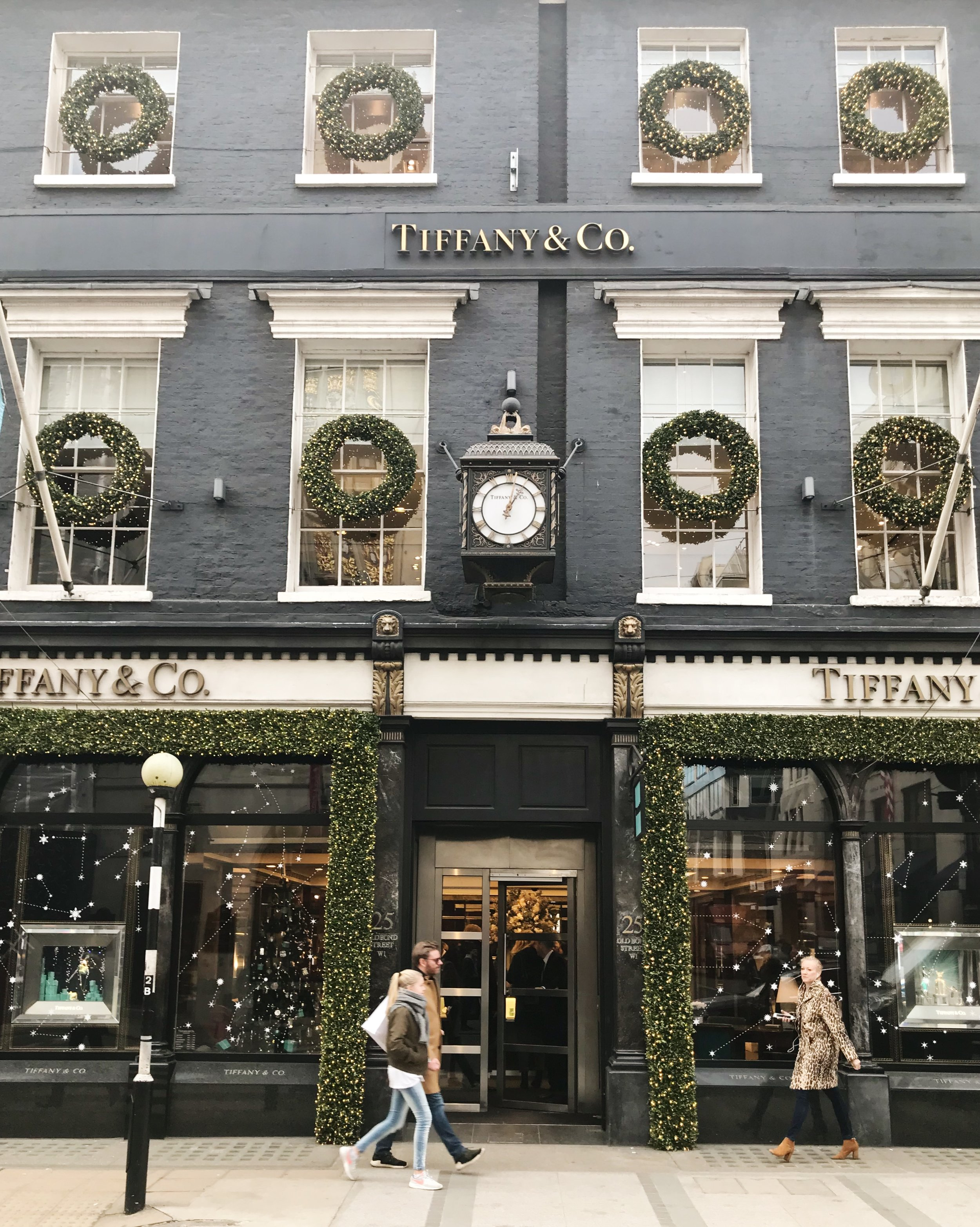 christmastime-in-london-tiffanys