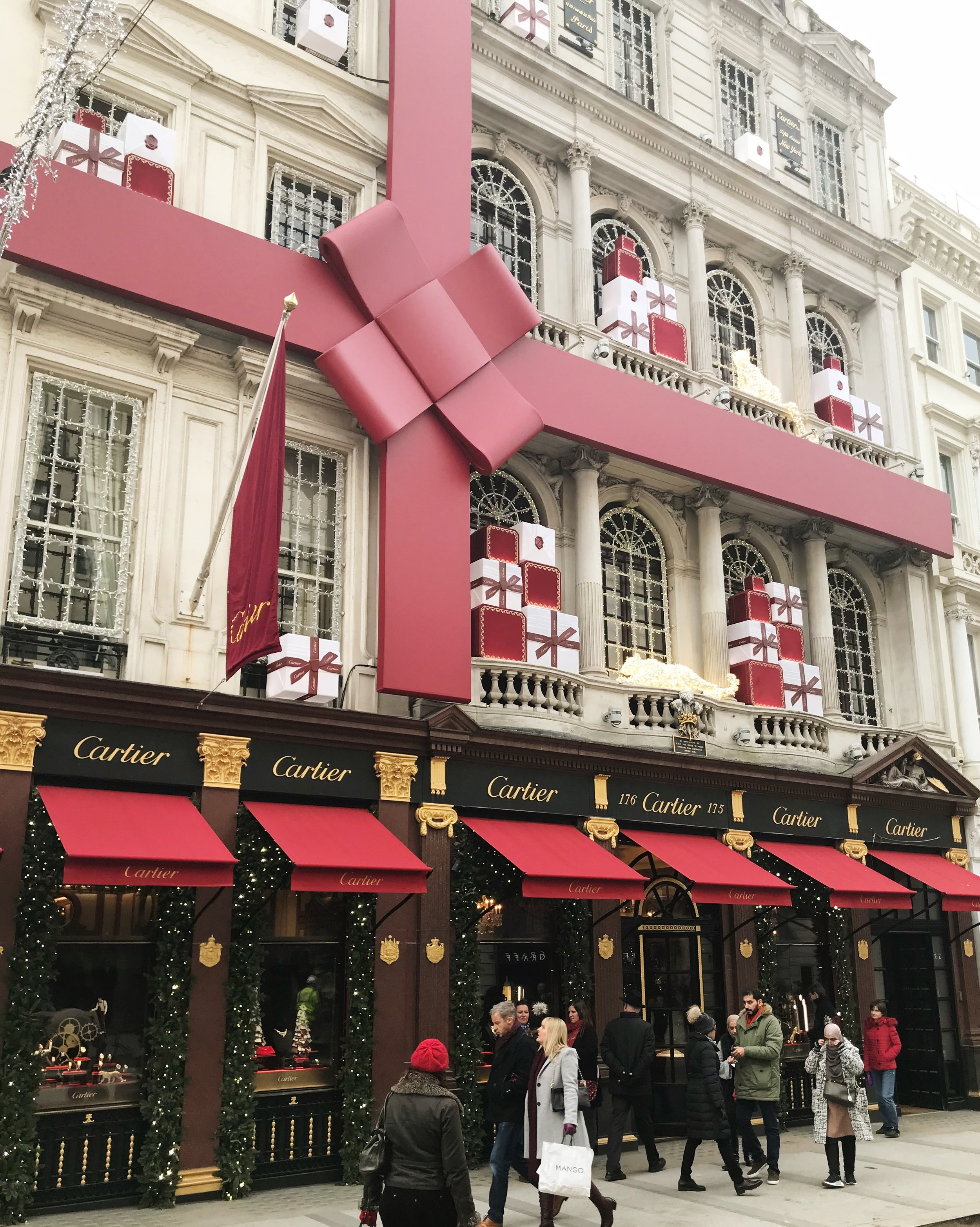 christmastime-in-london-cartier