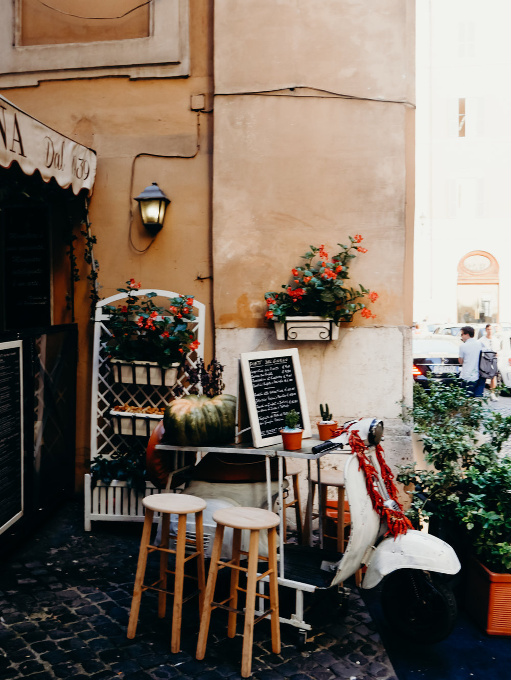 10 Things to Know Before Visiting Italy - Be Prepared for Smokers