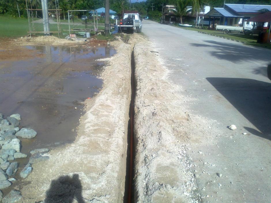 Fibre installation in a micro-trench