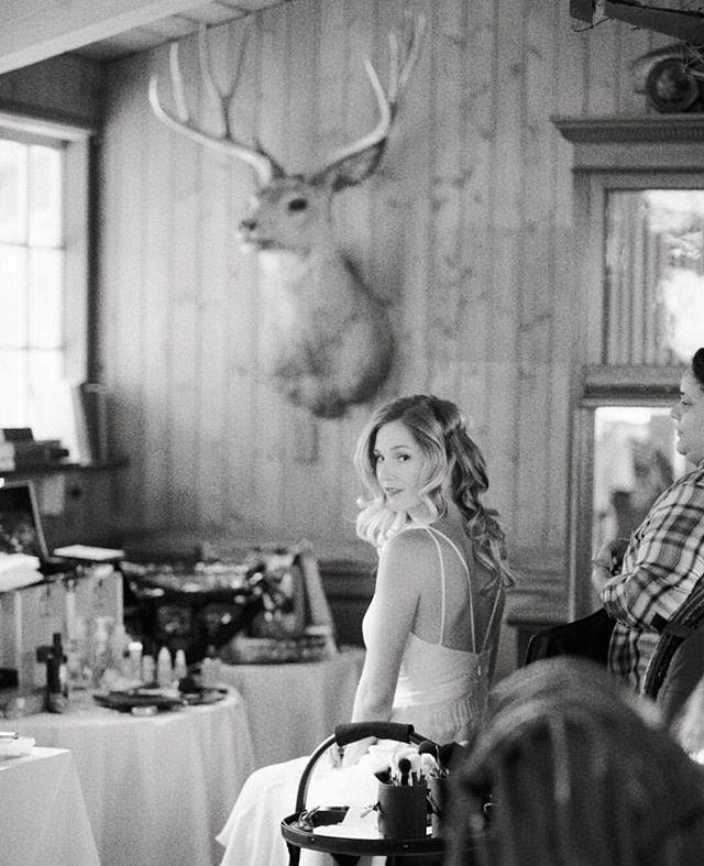 Babe. ❤️. . . . . #reallovebirdbabe #realbride #glamsquad #bridalmakeup #bridalhair #curls #blackandwhite