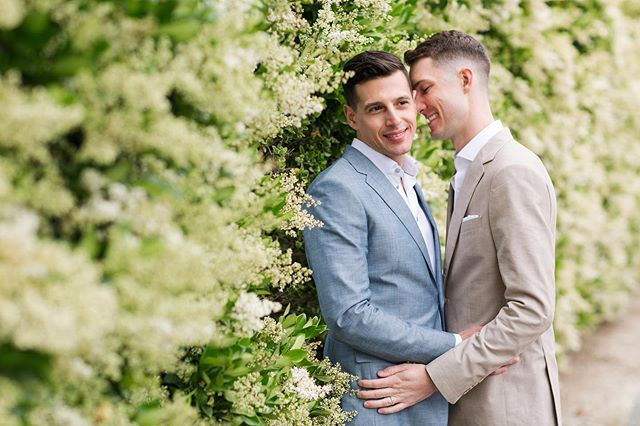 David & Tim exchanged vows in an intimate and beautiful ceremony yesterday.  Planner: @hovik  Venue: @sognodelfiore Florals: @forageflorals DJ: @jjthedjevents Photos: @toddthephotographer Catering: @kitchen12000 Cocktails: @kitchen12000 Pies: @the_bakery_farmstand Rentals: @venturarental #davidgotfoxed