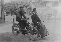 old-motorbike-with-side-span.jpg