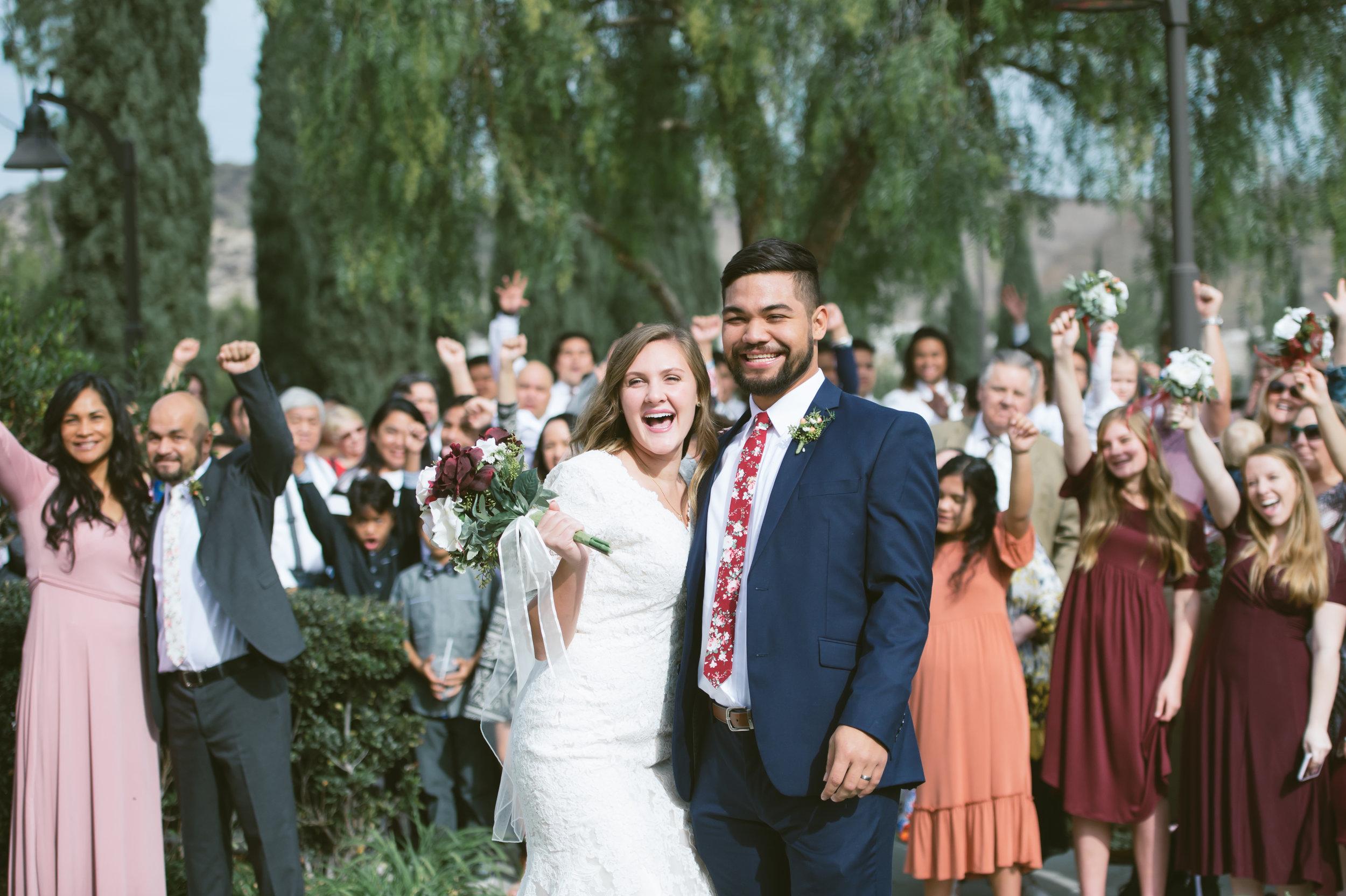 05Newport Beach LDS Temple Wedding Pictures.jpg
