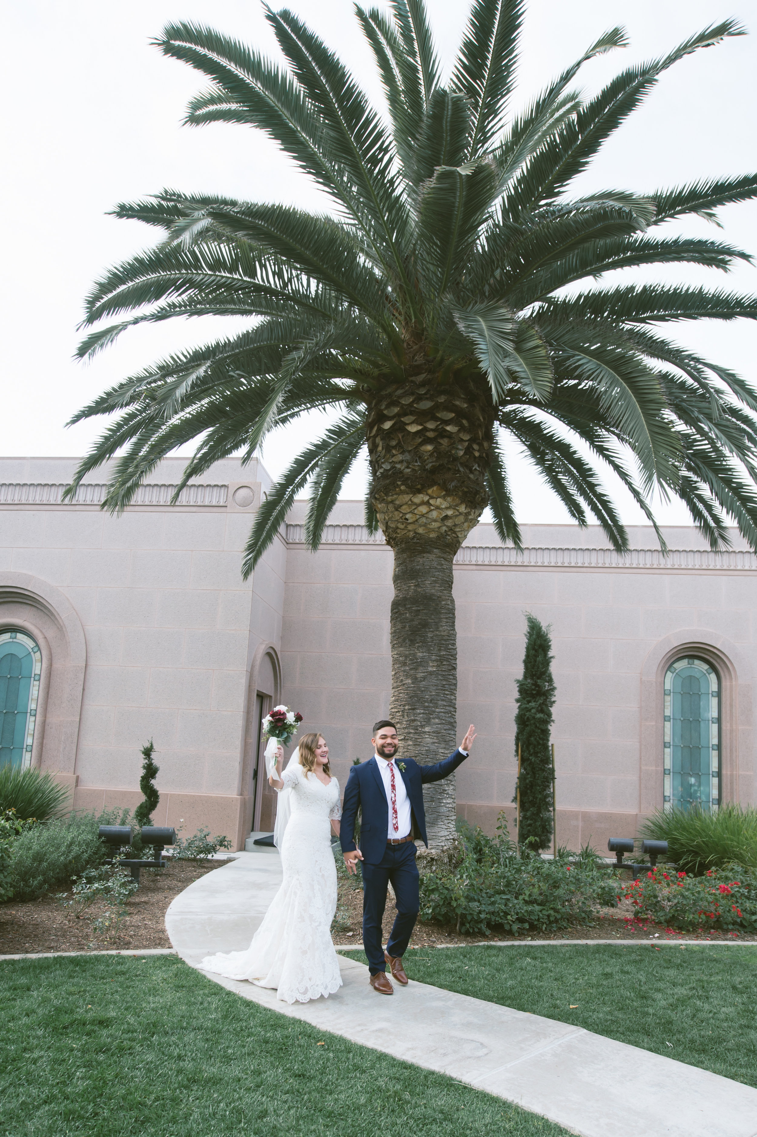 01Newport Beach LDS Temple Wedding Pictures.jpg