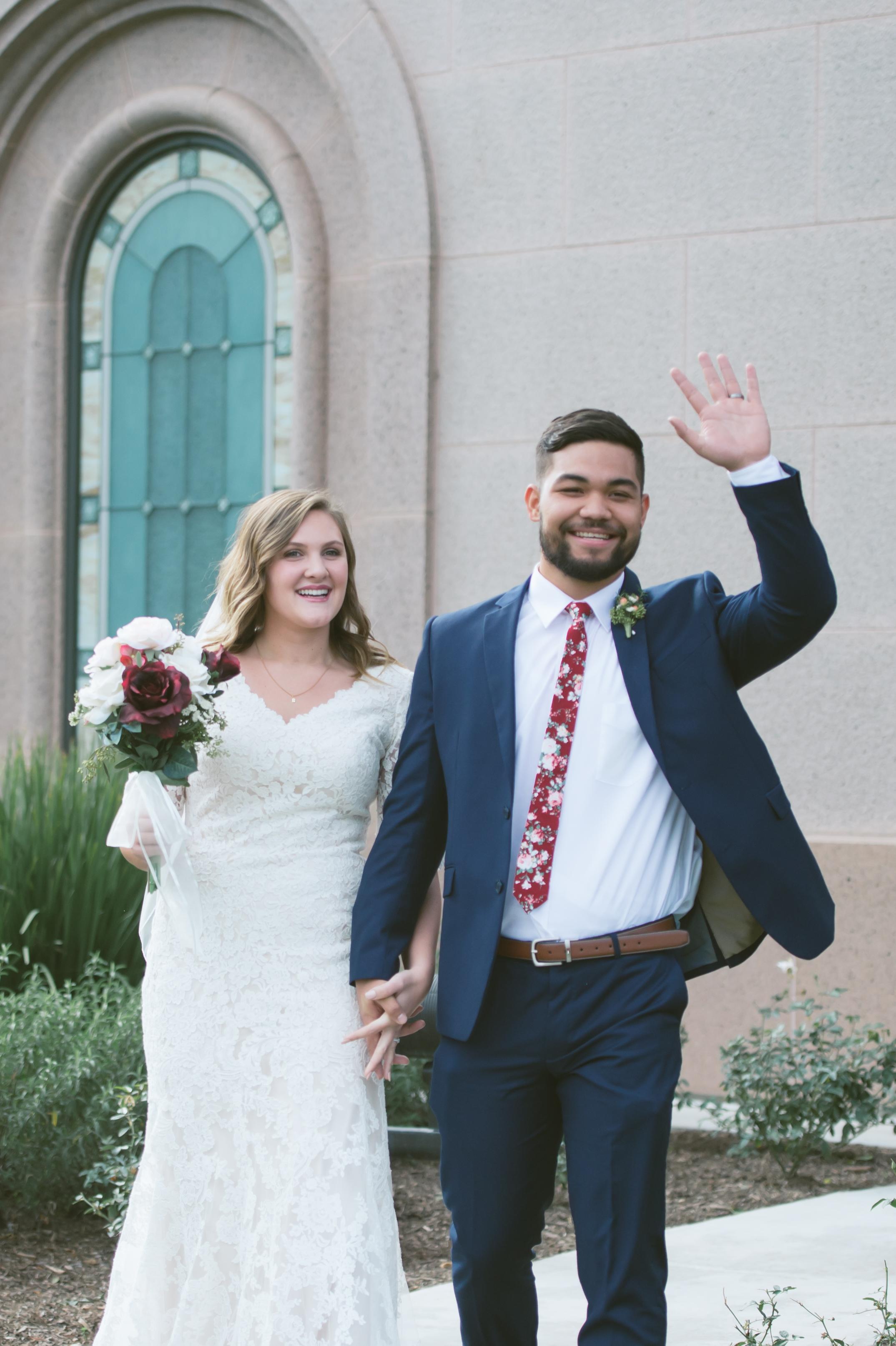 02Newport Beach LDS Temple Wedding Pictures.jpg
