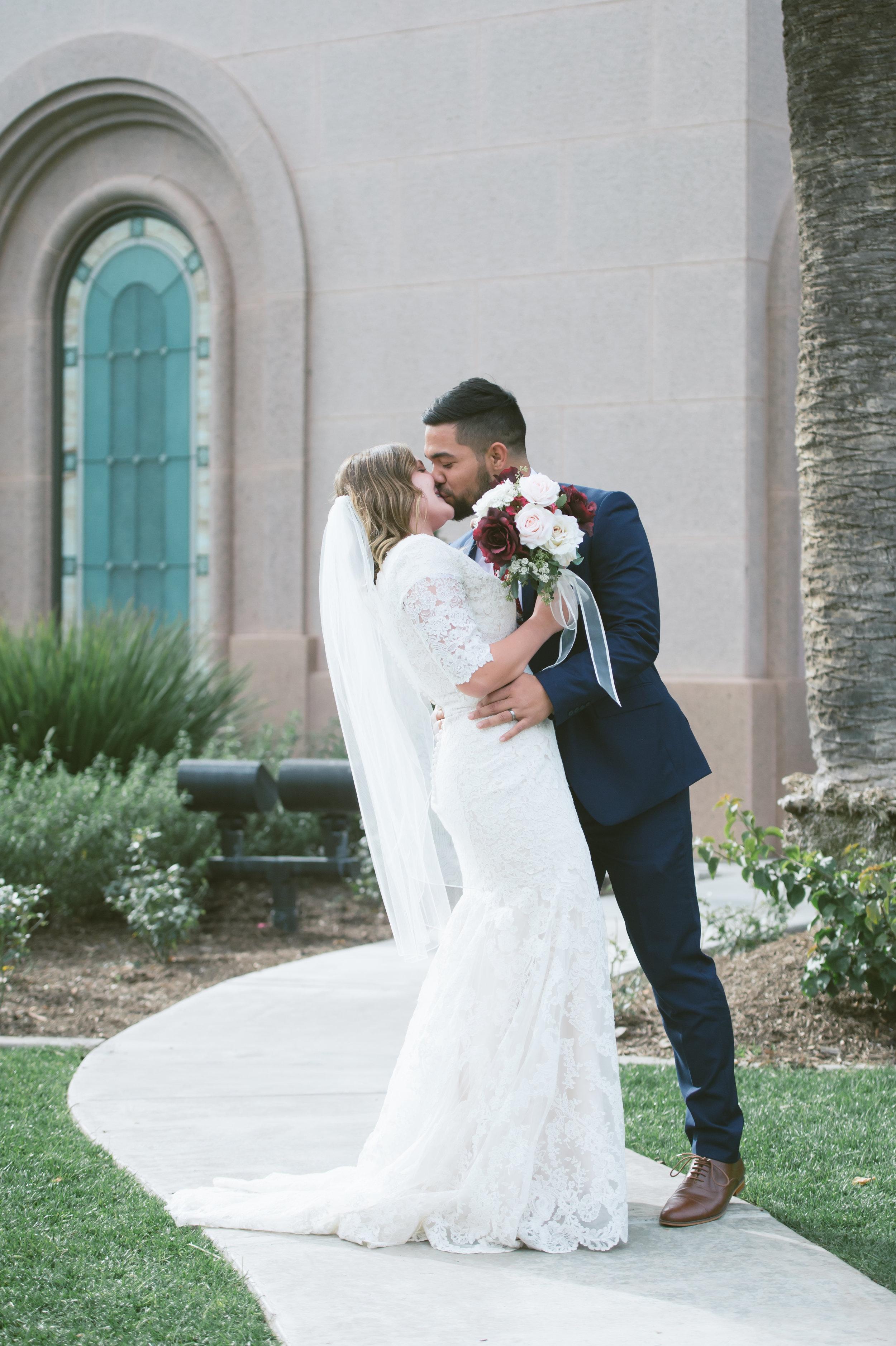 03Newport Beach LDS Temple Wedding Pictures.jpg