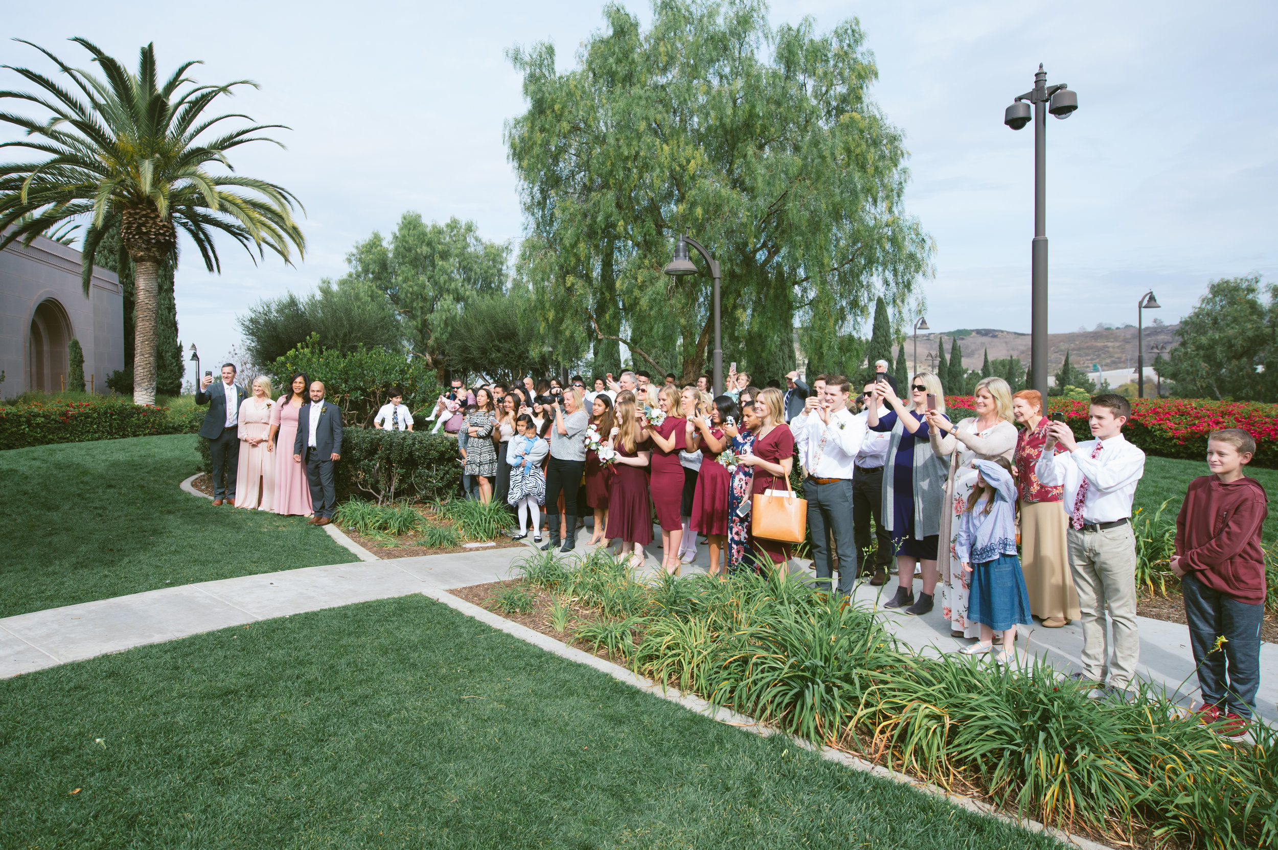 04Newport Beach LDS Temple Wedding Pictures.jpg