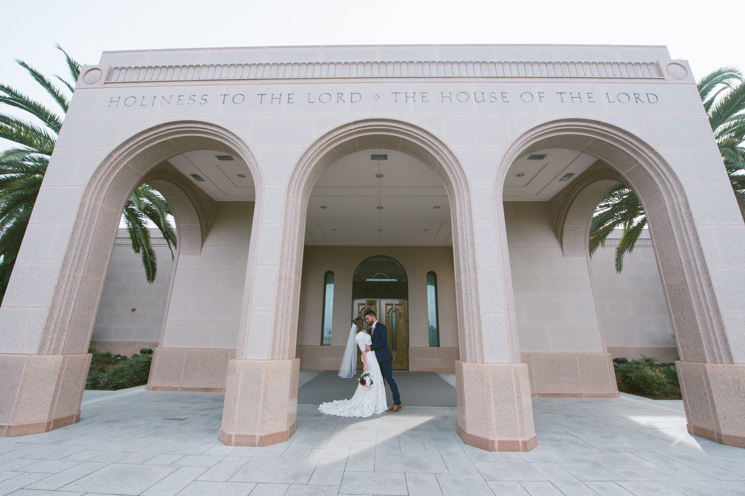 15Newport Beach LDS Temple Wedding Pictures.jpg