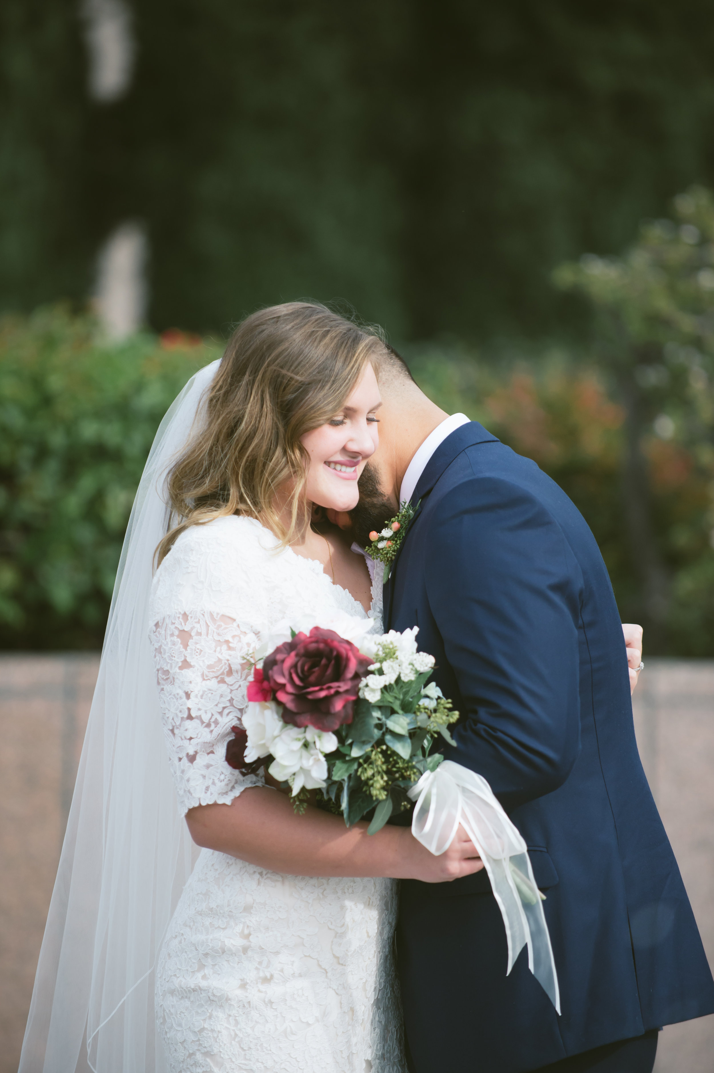 17Newport Beach LDS Temple Wedding Pictures.jpg