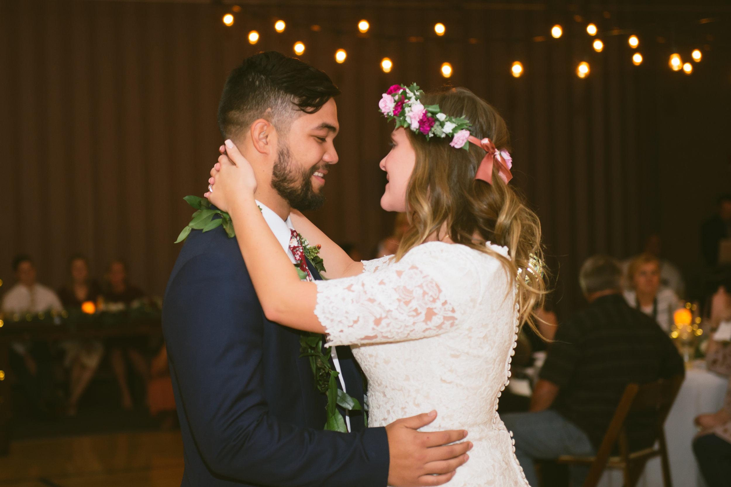 25Newport Beach LDS Temple Wedding Pictures.jpg