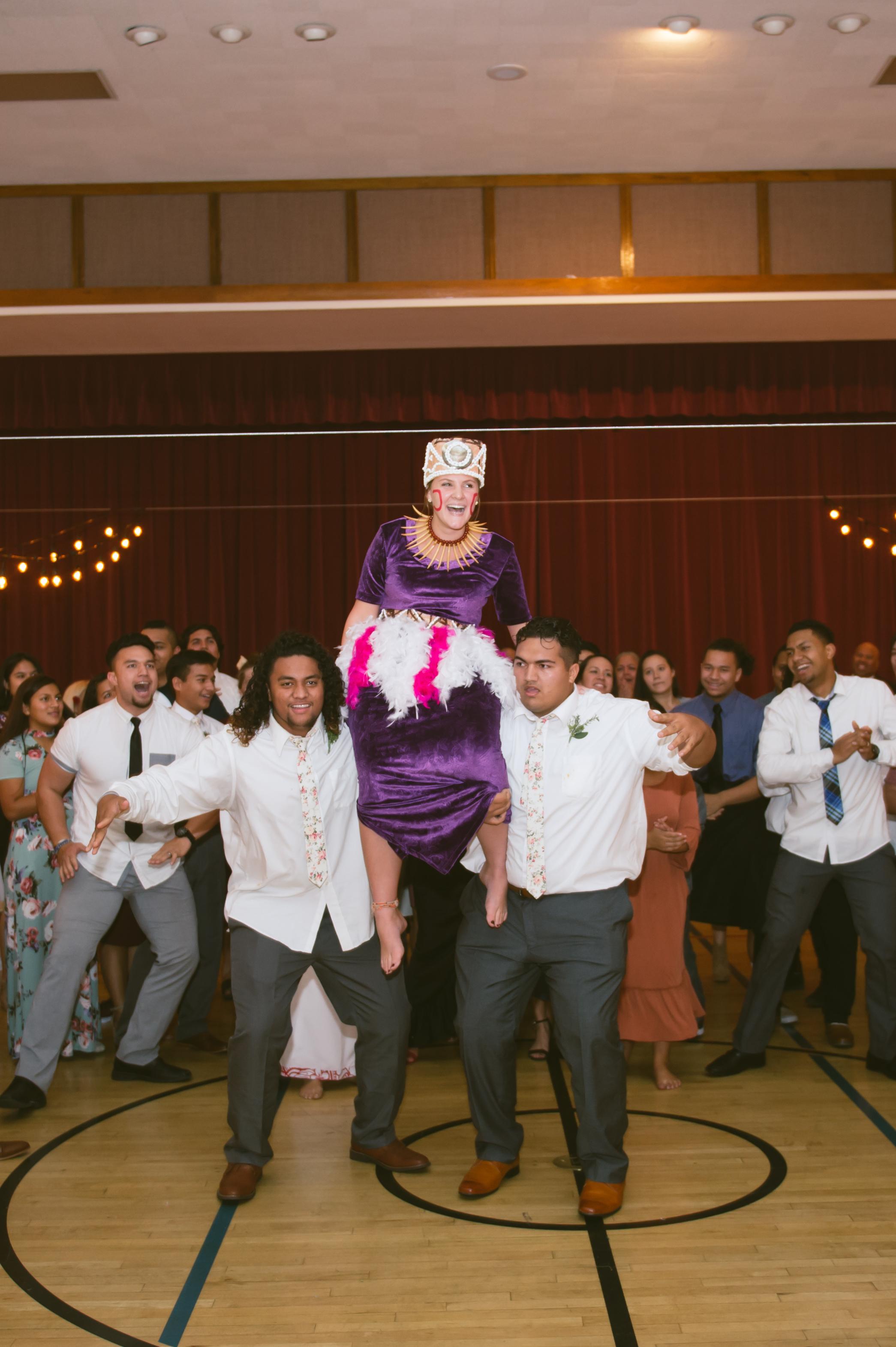 28Newport Beach LDS Temple Wedding Pictures.jpg