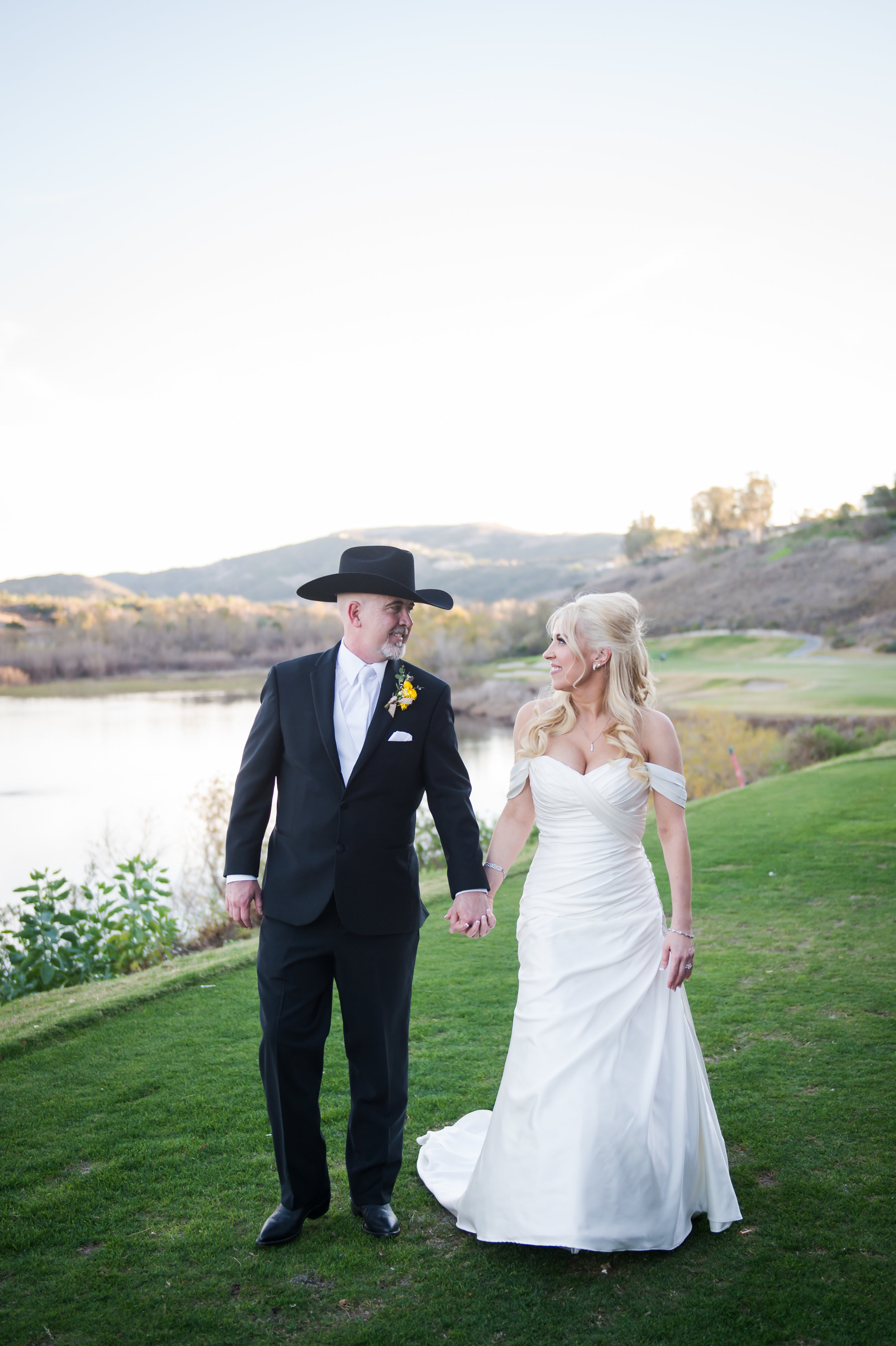 30Strawberry Farms Golf Course Wedding Pictures.jpg