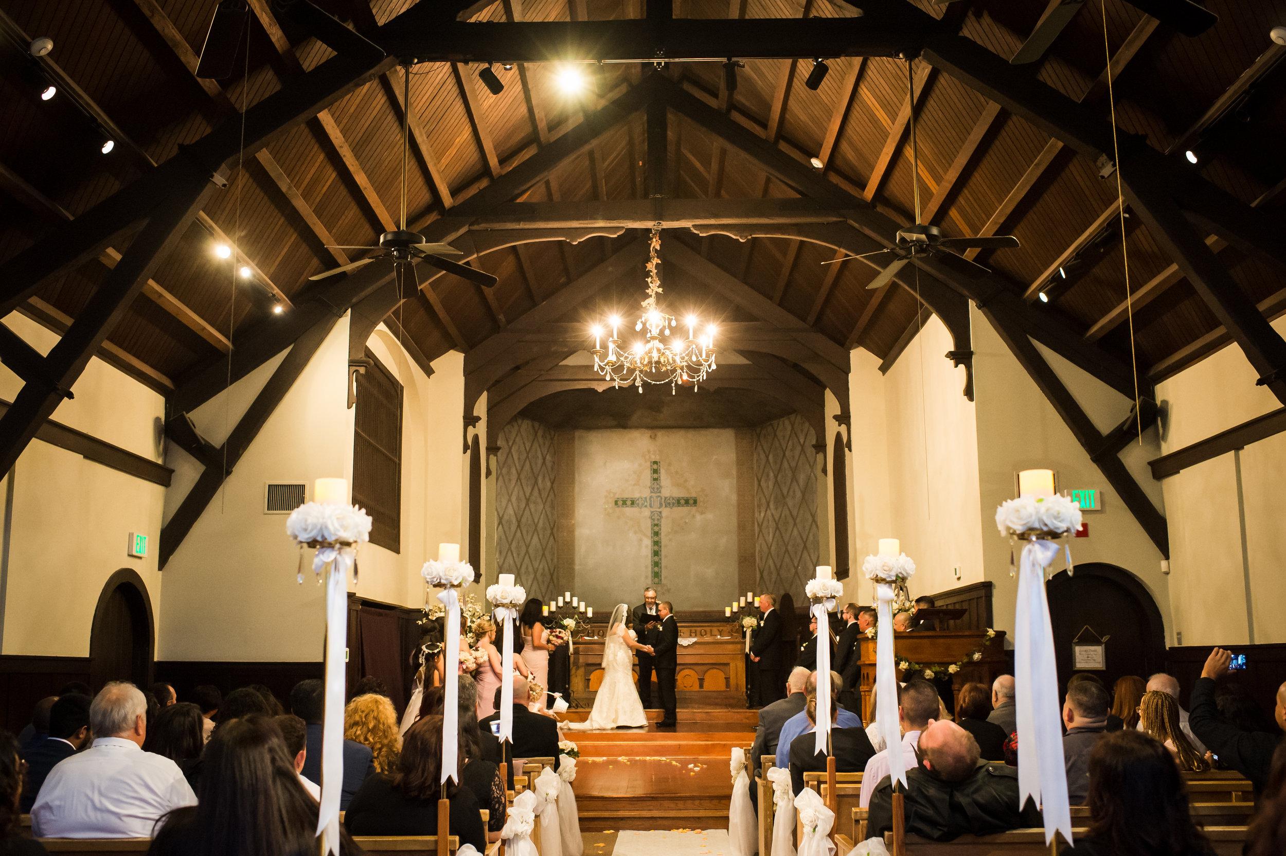 01Fleur de Lis Chapel Wedding Pictures.jpg
