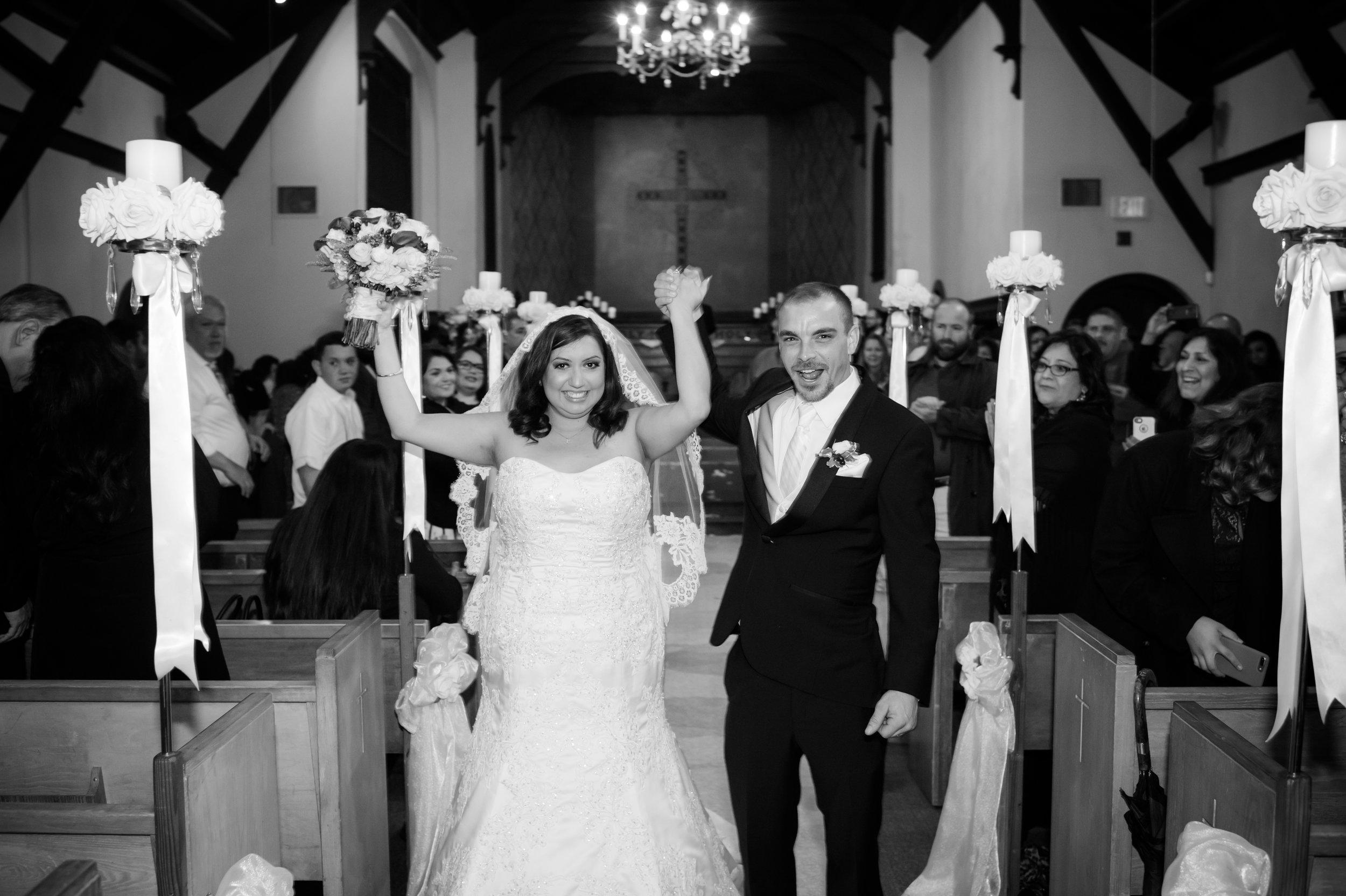 04Fleur de Lis Chapel Wedding Pictures.jpg