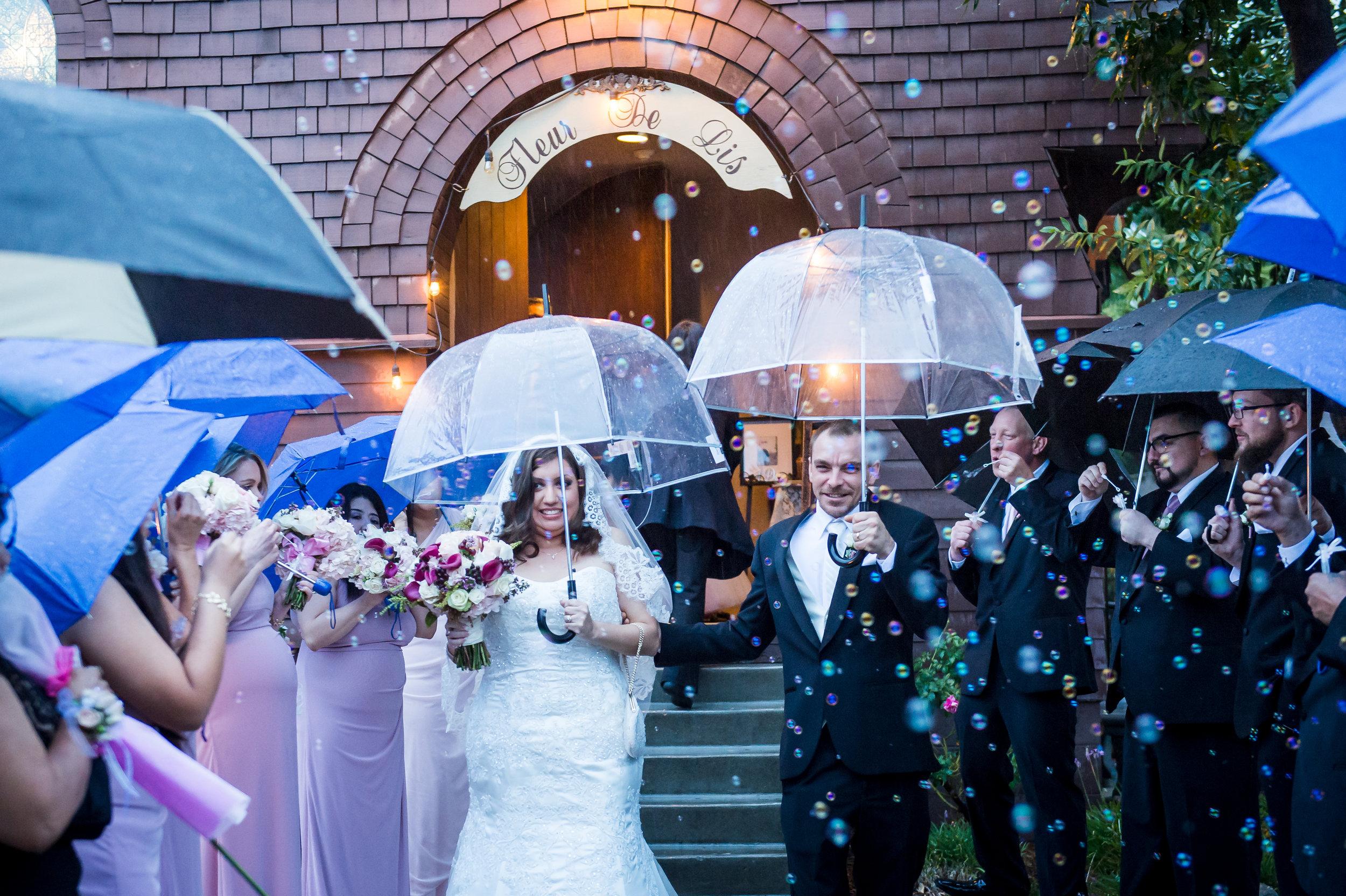 06Fleur de Lis Chapel Wedding Pictures.jpg