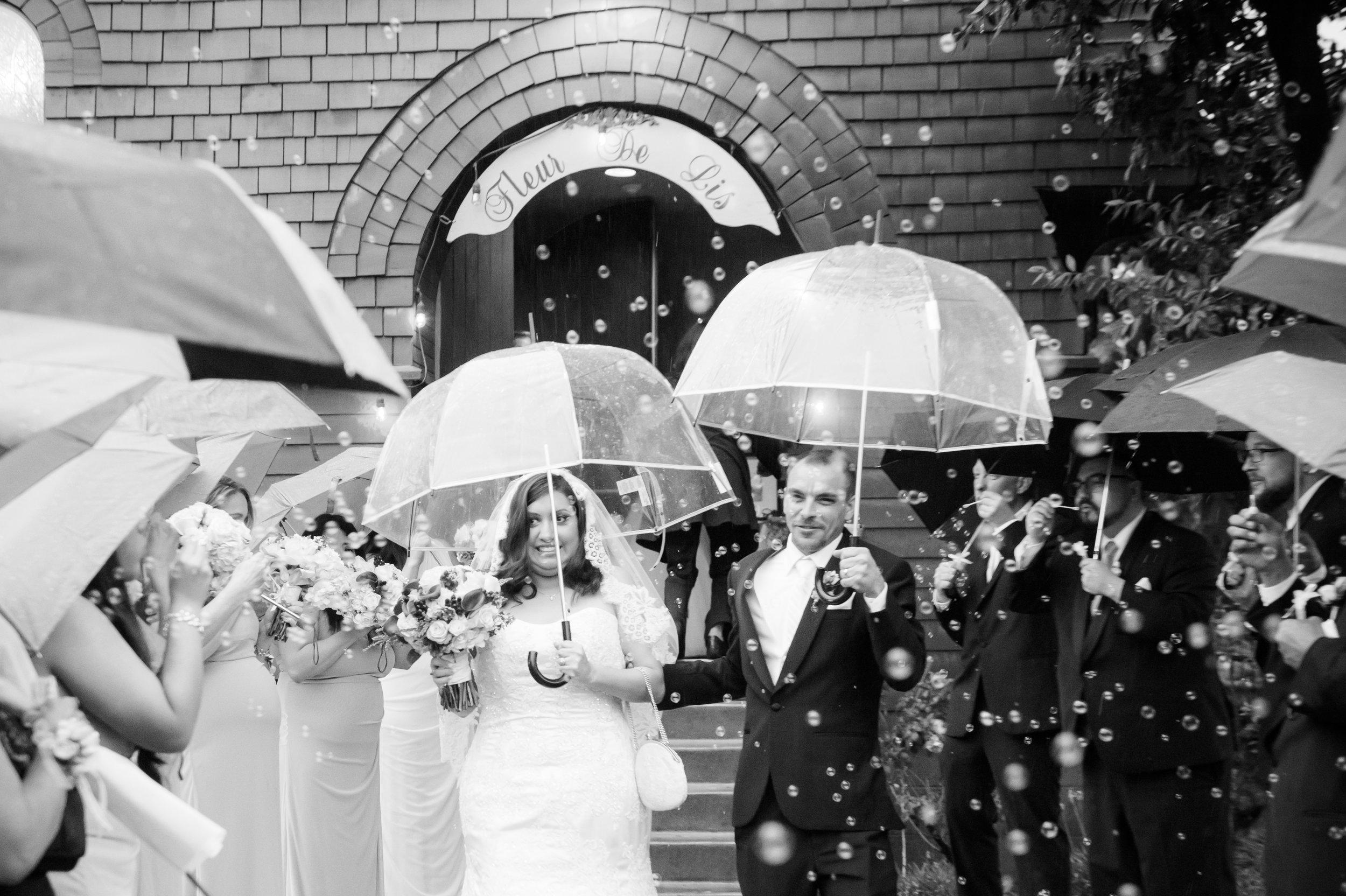 07Fleur de Lis Chapel Wedding Pictures.jpg