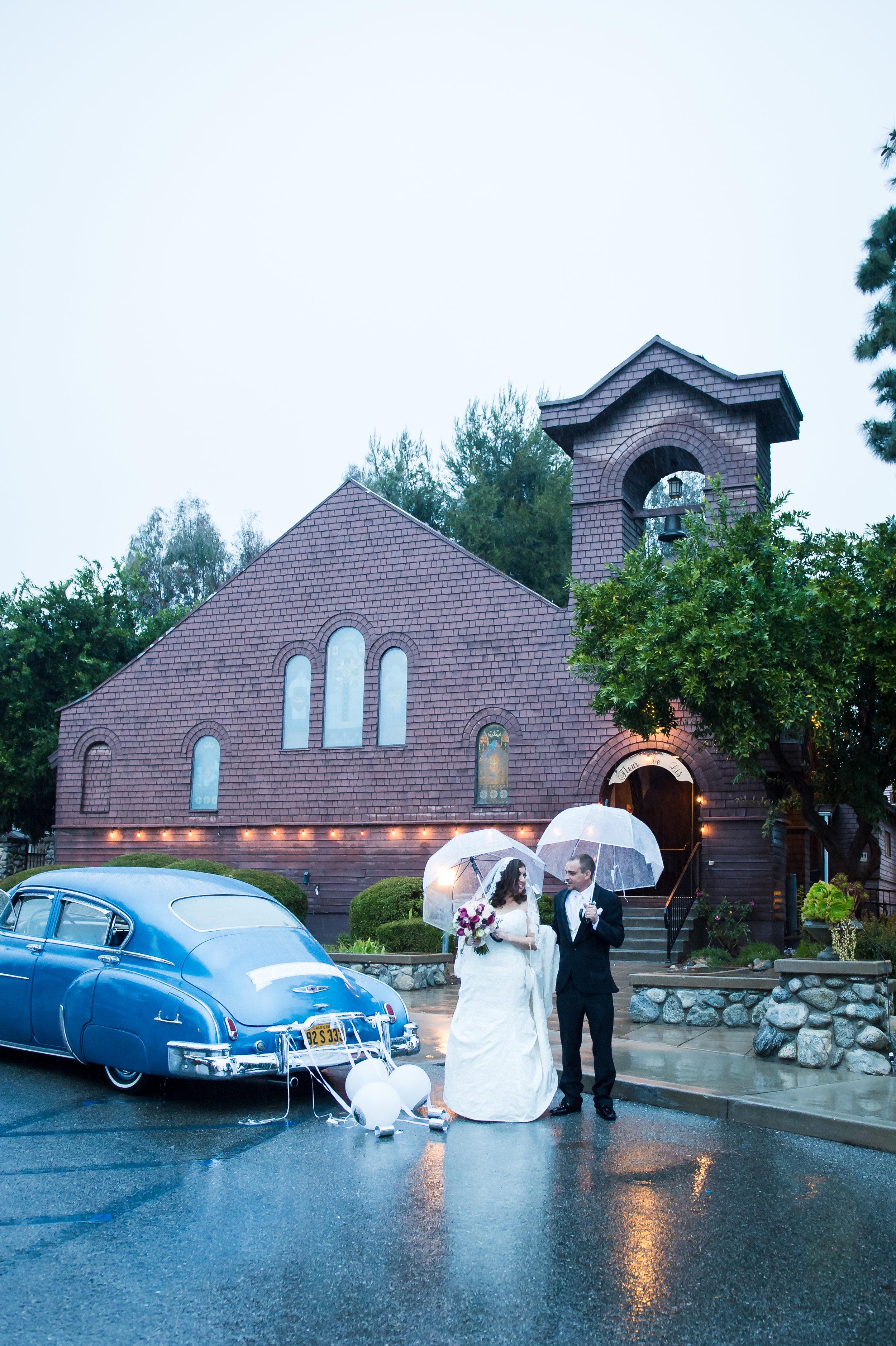08Fleur de Lis Chapel Wedding Pictures.jpg