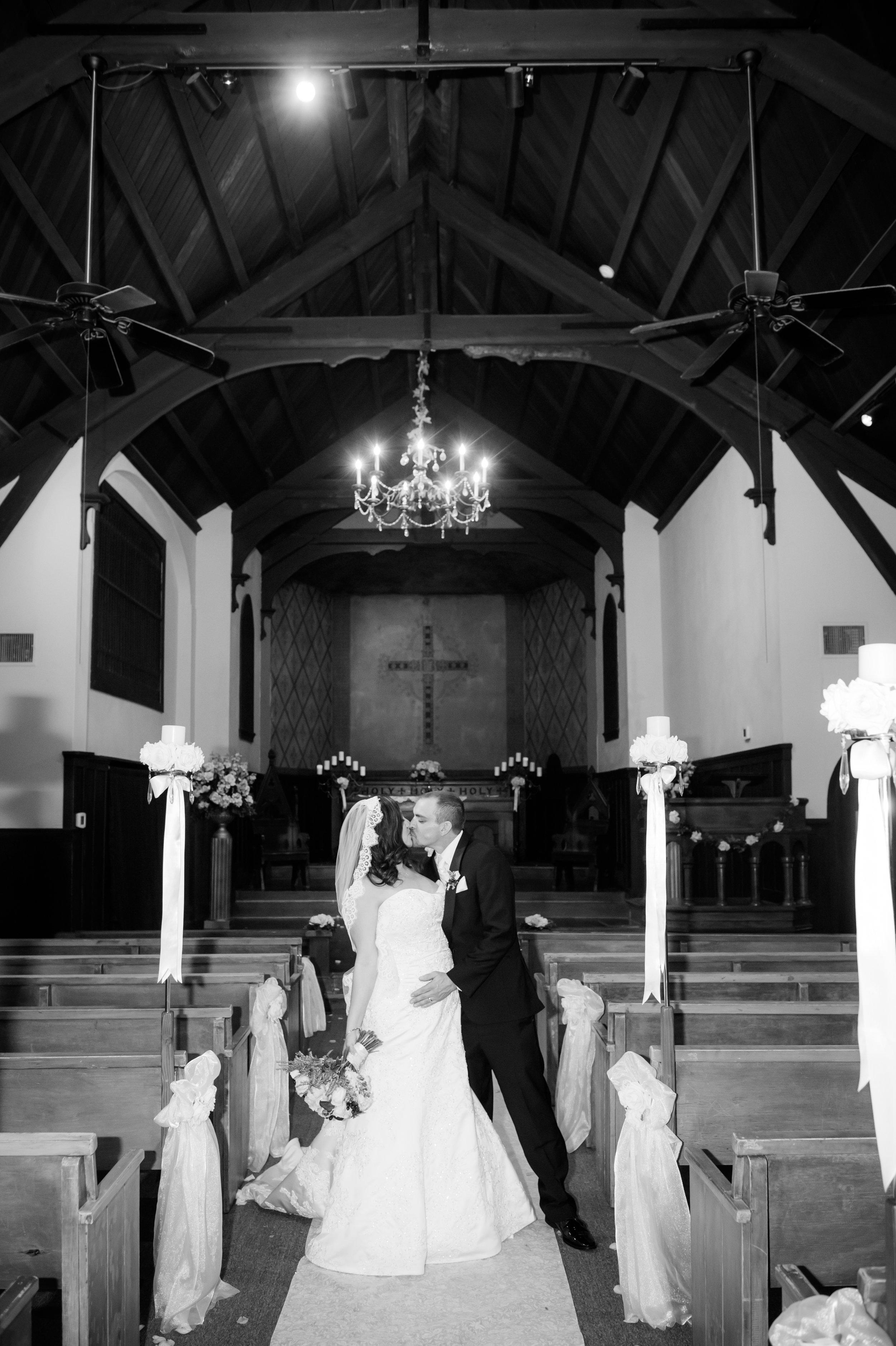 14Fleur de Lis Chapel Wedding Pictures.jpg