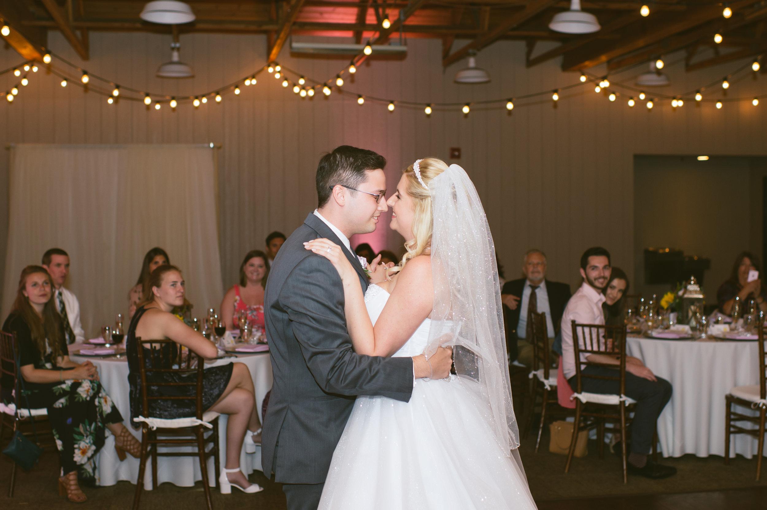 32Strawberry Farm Golf Club Wedding Pictures.jpg
