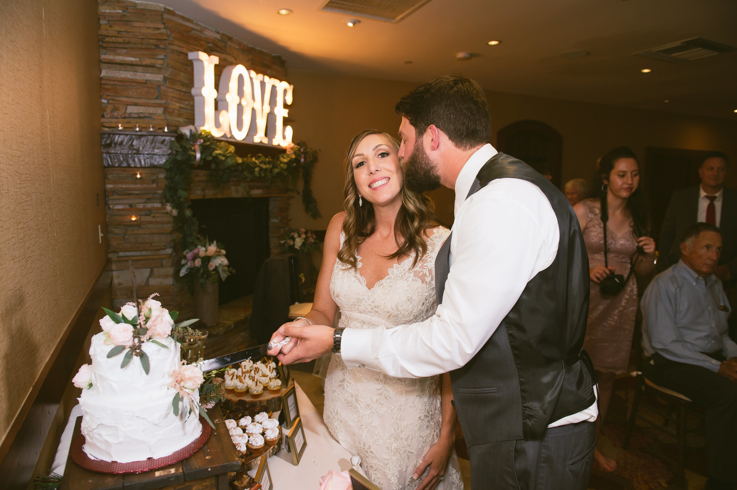 41Lake Arrowhead Resort Wedding Pictures.jpg