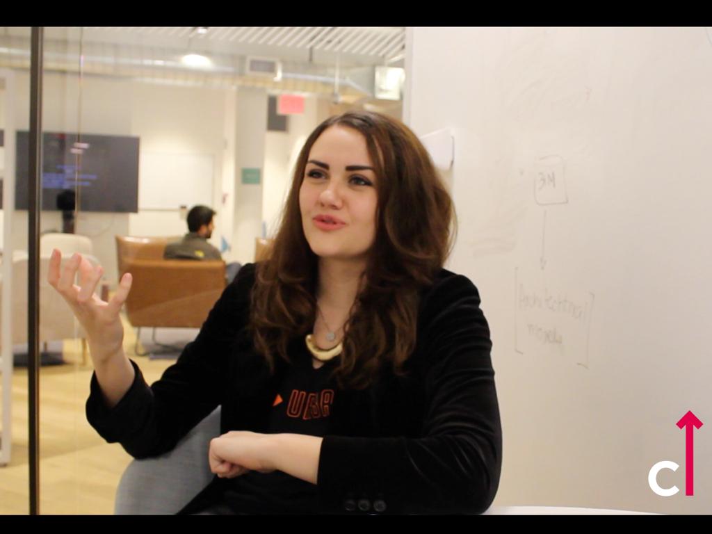 Anielle Guedes gravando da sede da  TechStars em NYC .