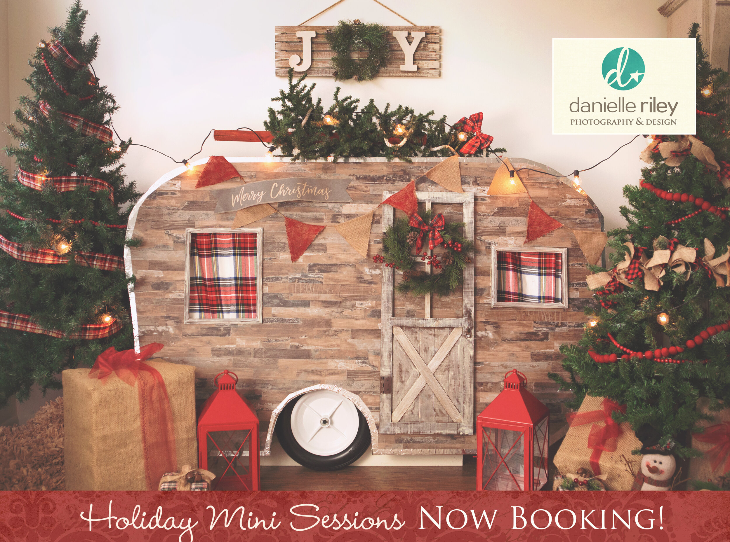 holiday portrait sessions designed for your little ones in this festive setting.