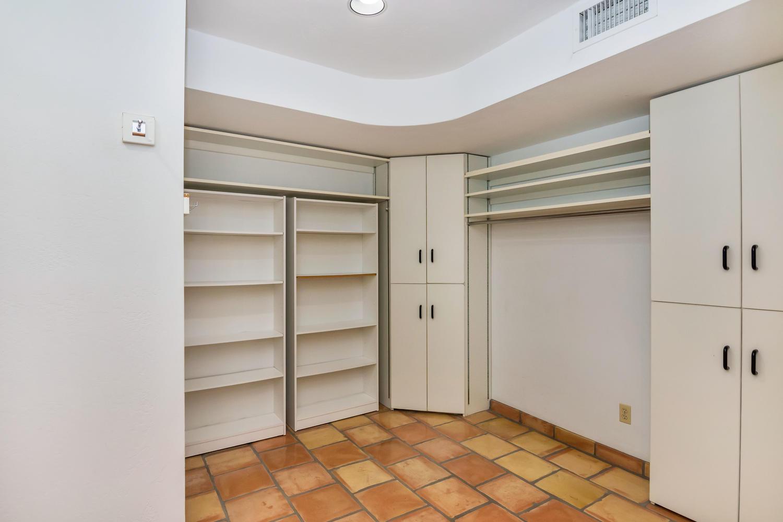 4436 E Maderos Del Cuenta Dr-large-025-28-Master Bedroom Ensuite-1500x1000-72dpi.jpg