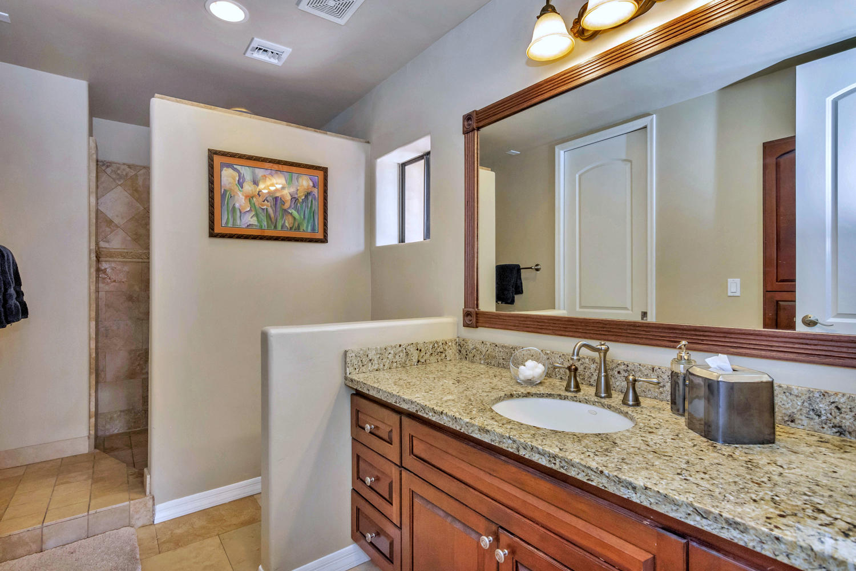 4012 E Claremont Ave-large-028-33-Bedroom 2 Ensuite-1500x1000-72dpi.jpg