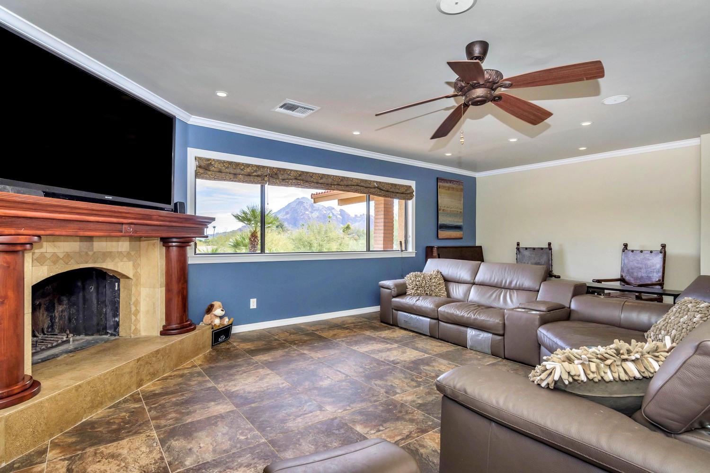 4012 E Claremont Ave-large-020-30-Living Area-1500x1000-72dpi.jpg