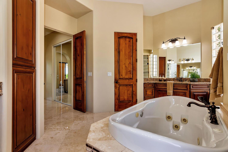 23945 N 67th Ave-large-038-37-Master Bedroom Ensuite-1500x1000-72dpi.jpg